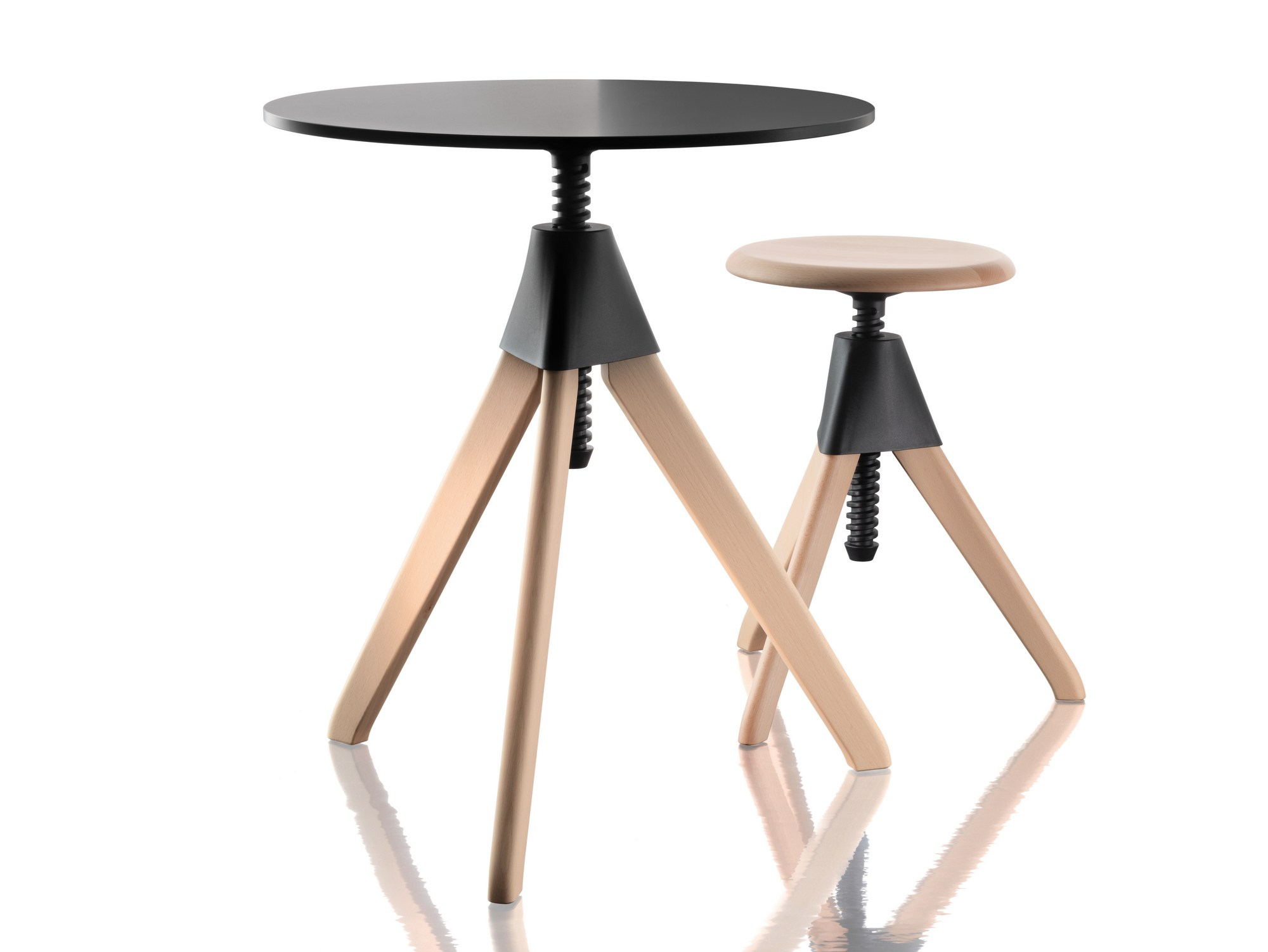 Height Adjustable Round Coffee Table Topsy The Wild Bunch By Magis Design Konstantin Grcic