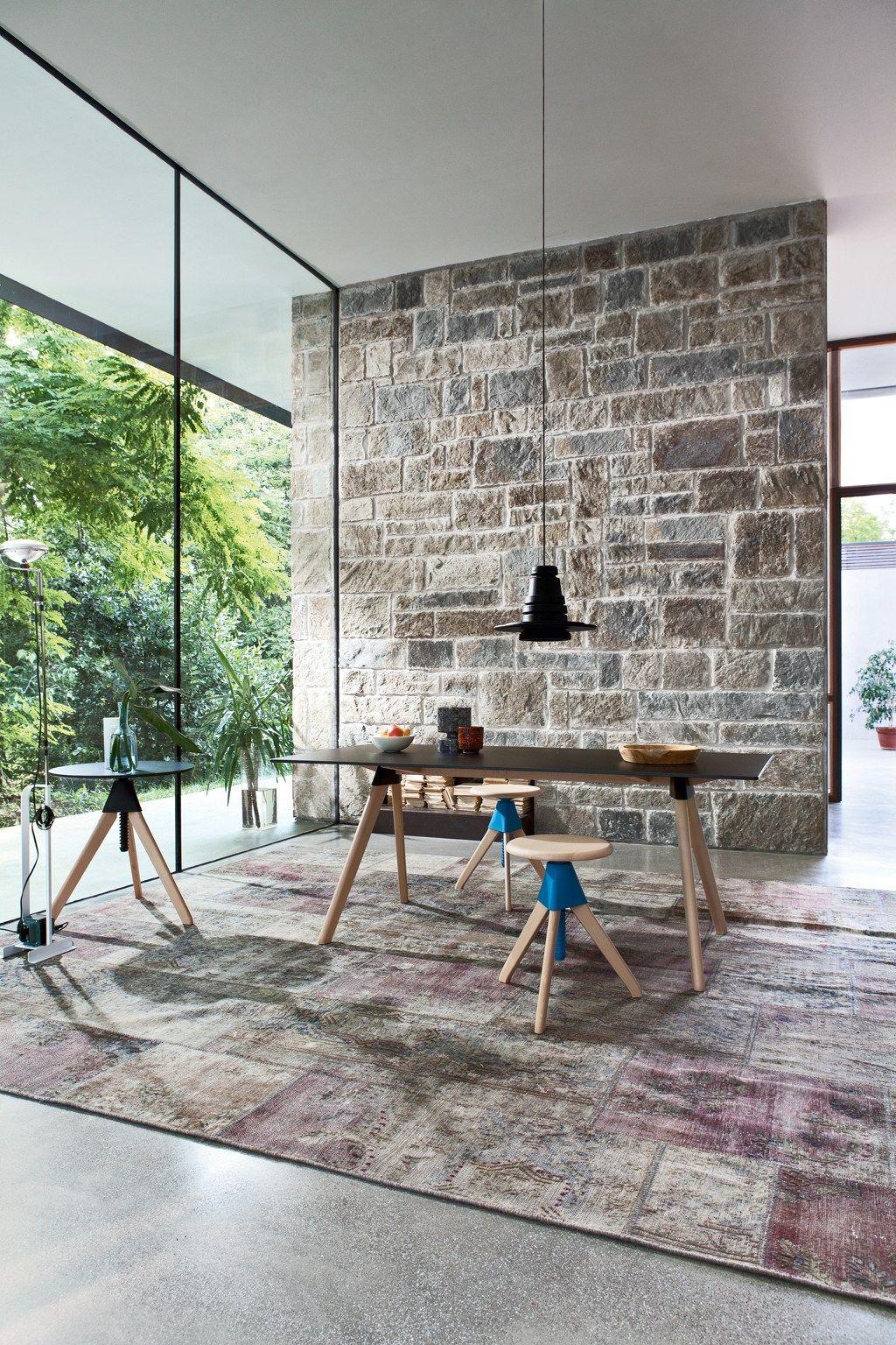 Tavolino ad altezza regolabile rotondo topsy the wild for Magis design
