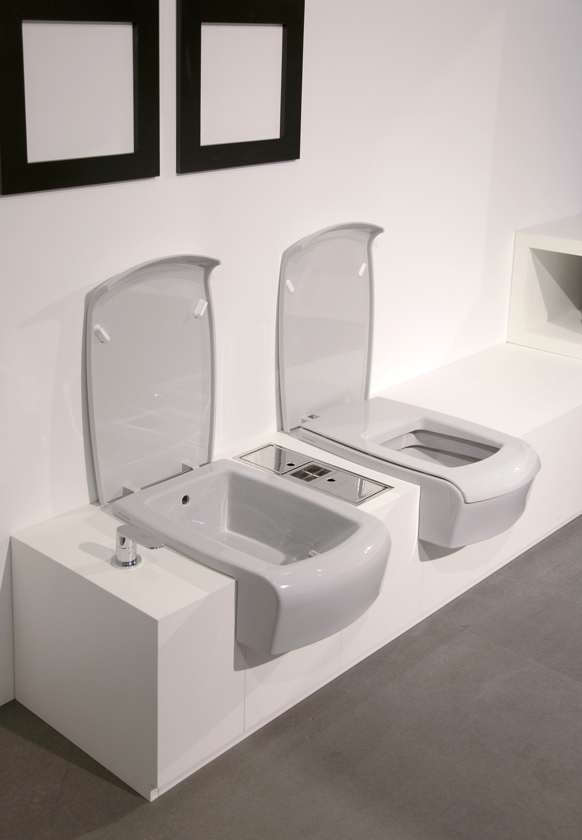 una bidet by ceramica flaminia design romano adolini. Black Bedroom Furniture Sets. Home Design Ideas