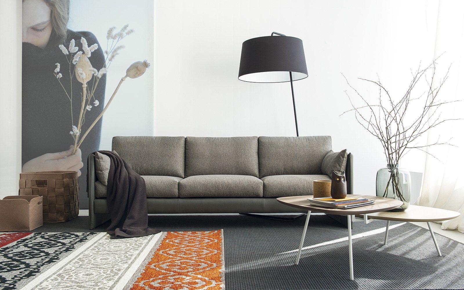 Divano componibile in tessuto urban by calligaris design for Poltrone calligaris prezzi
