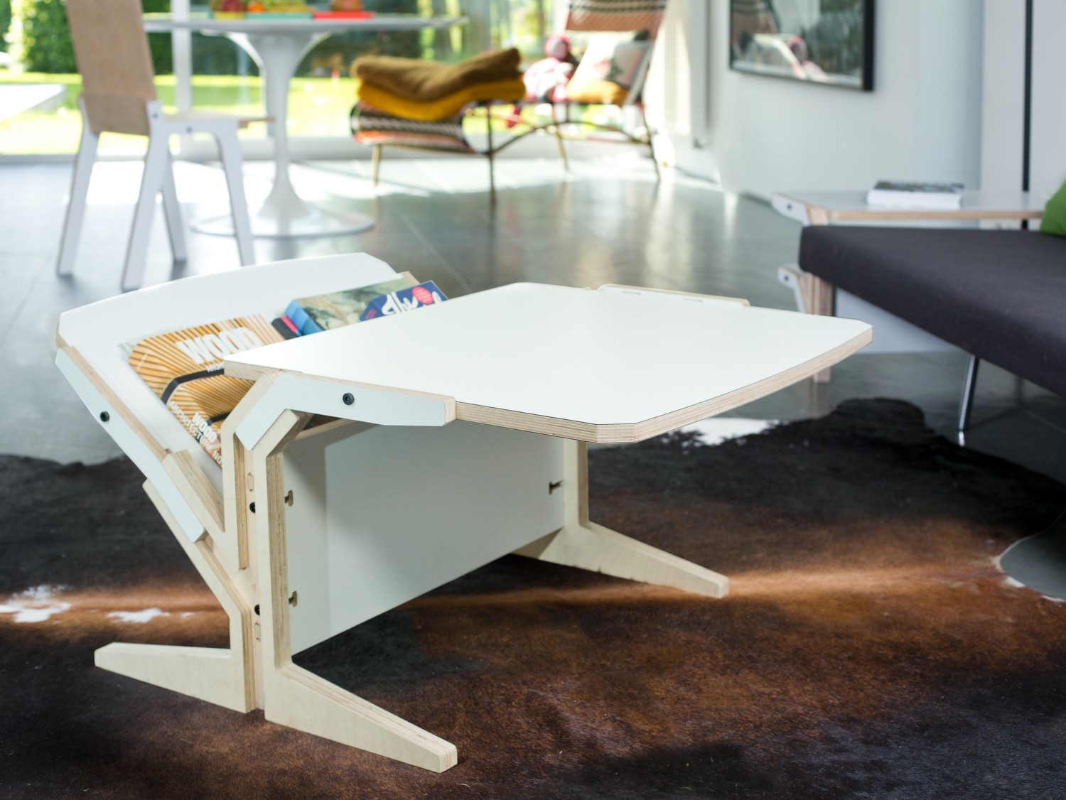 Multi layer wood coffee table with integrated magazine for Html horizontal table