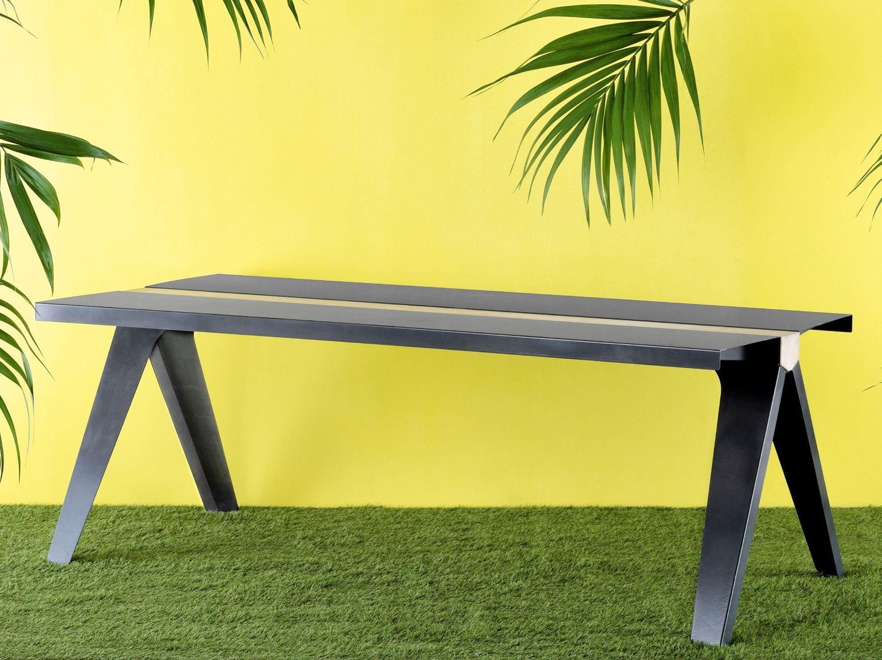 Tavolo rettangolare in acciaio e legno volta by officine for Tavoli in legno e acciaio