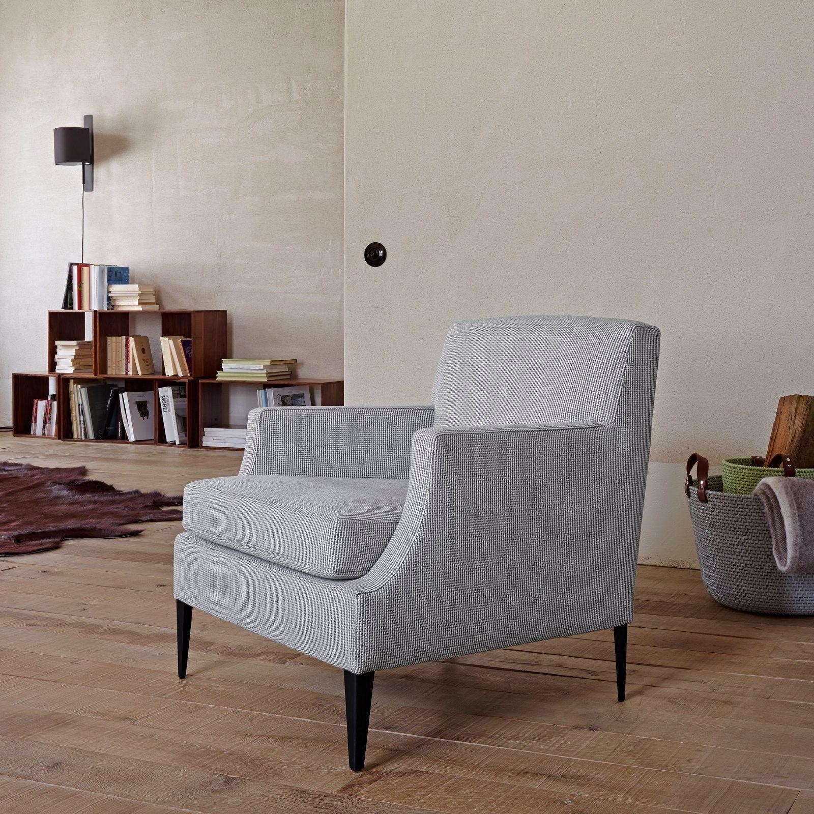 Fauteuil berg re rembourr en tissu avec accoudoirs voltige by roset italia design didier gomez - Fauteuils salon design ...
