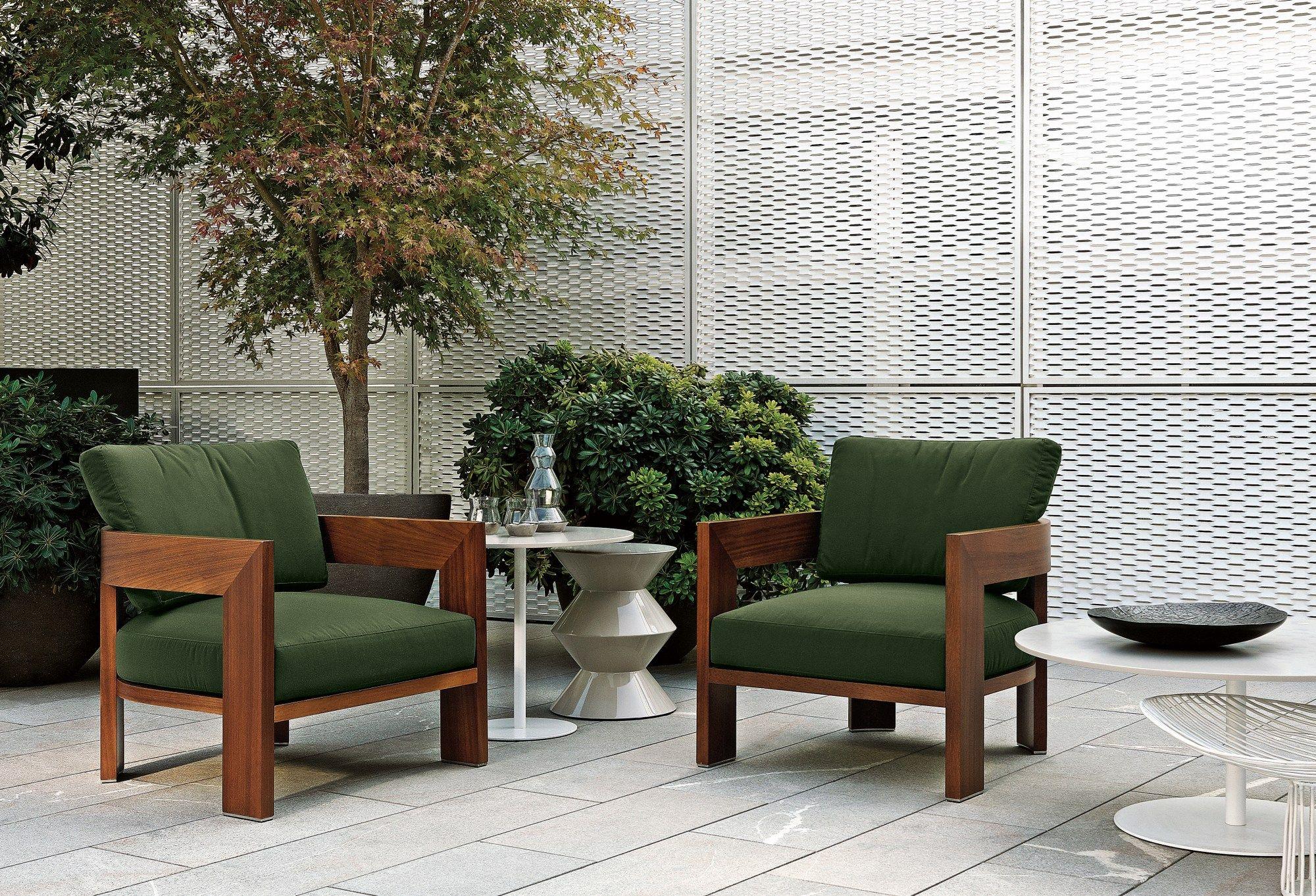 Poltrona da outdoor warhol iroko outdoor by minotti design for Poltrona da terrazzo design