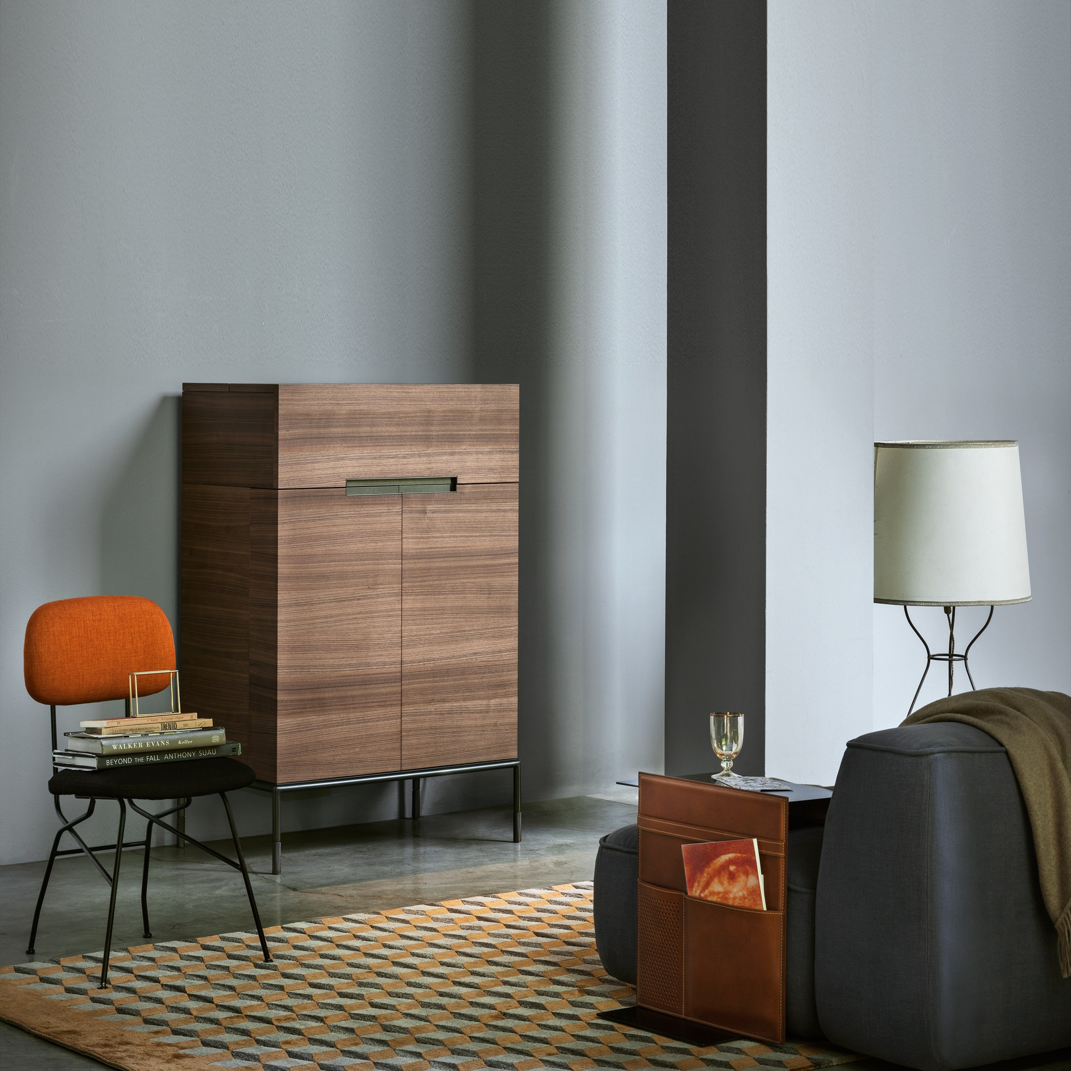 Walnut bar cabinet winston by lema design christophe pillet for Mobiliario de bar