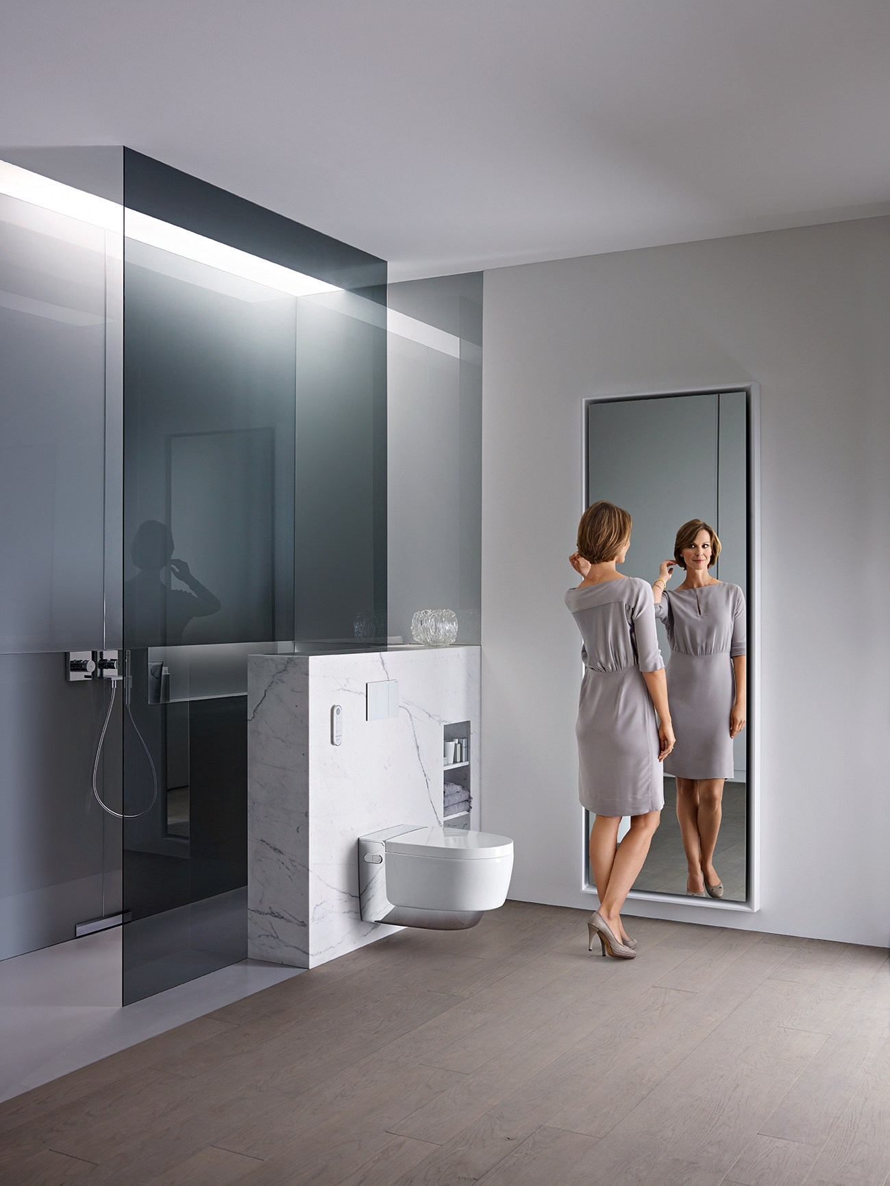 wall hung toilet with bidet aquaclean mera by geberit italia. Black Bedroom Furniture Sets. Home Design Ideas