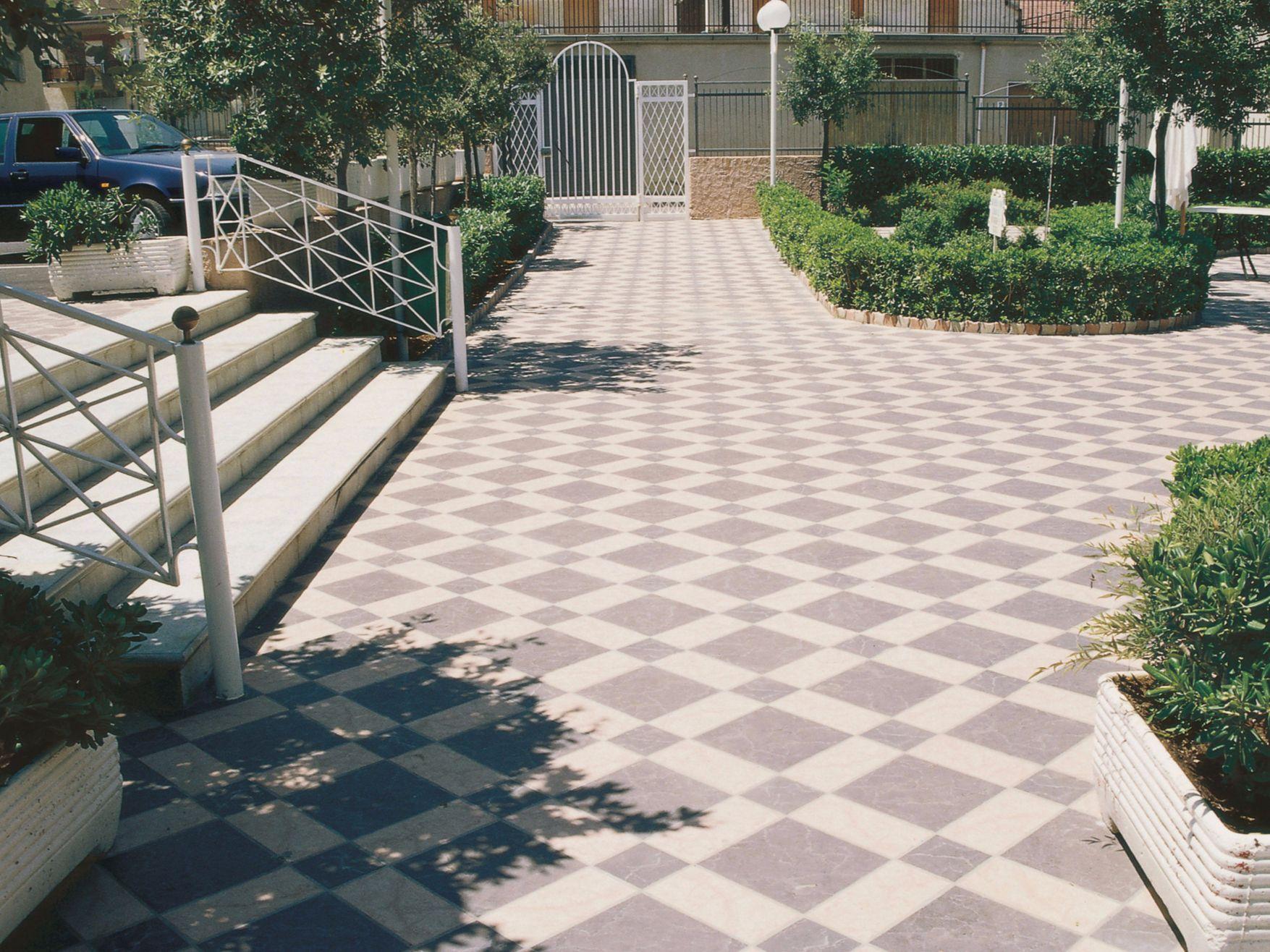 Ardesia pavimento per esterni collezione granitogres by for Pavimento effetto pietra