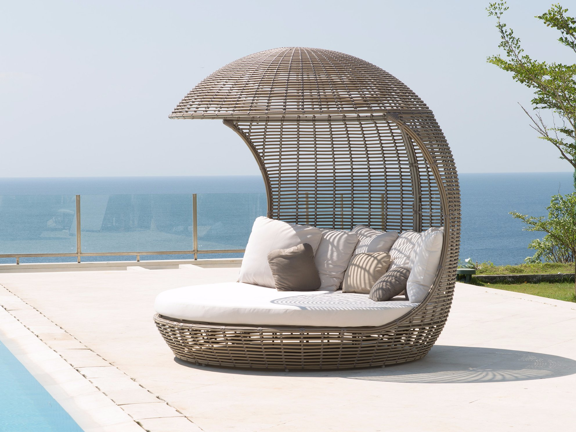 Lit de jardin igloo cancun 23282 collection occasionals by skyline design - Lit de jardin ...