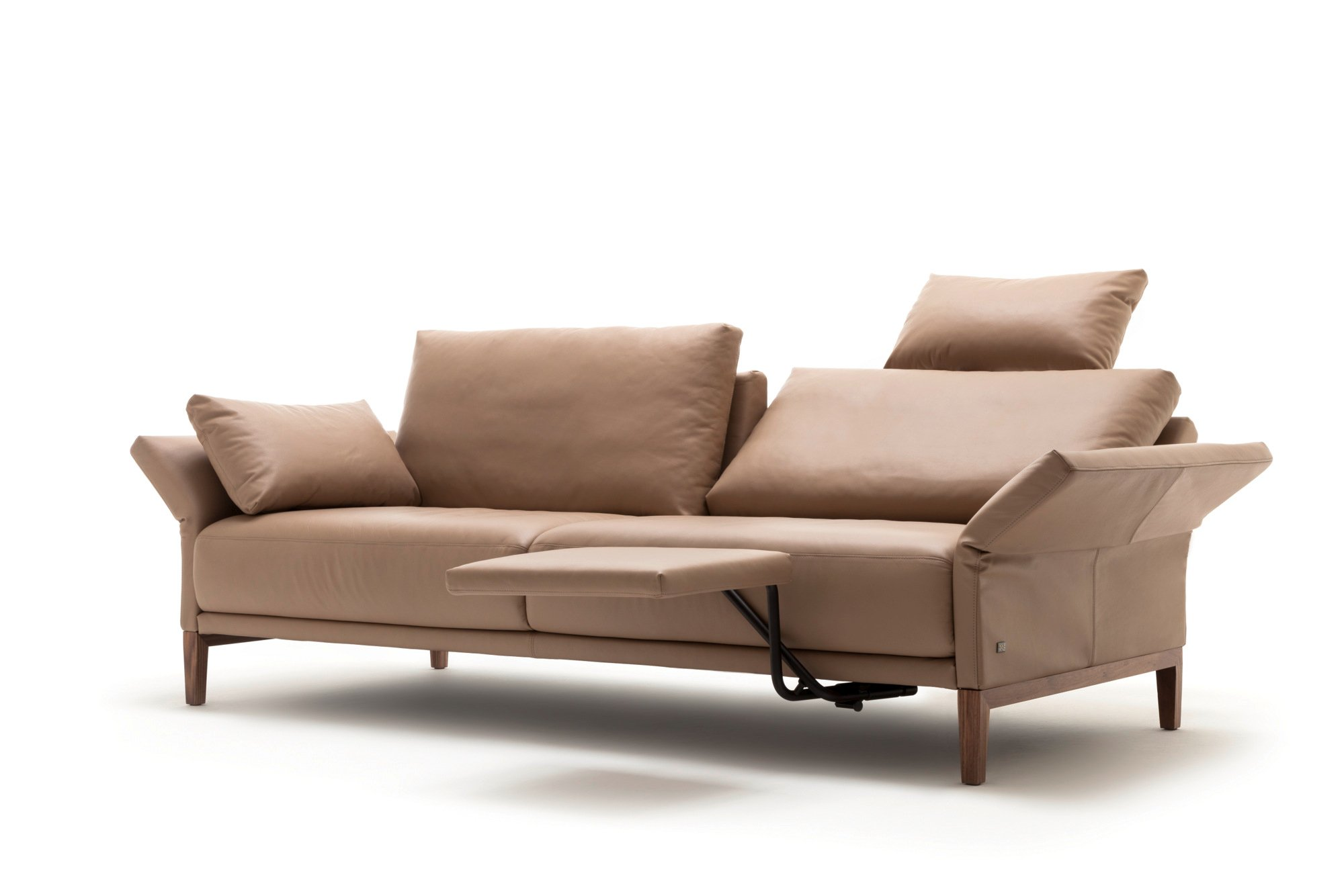 Cara sofa aus leder kollektion cara by rolf benz design for Couch benz