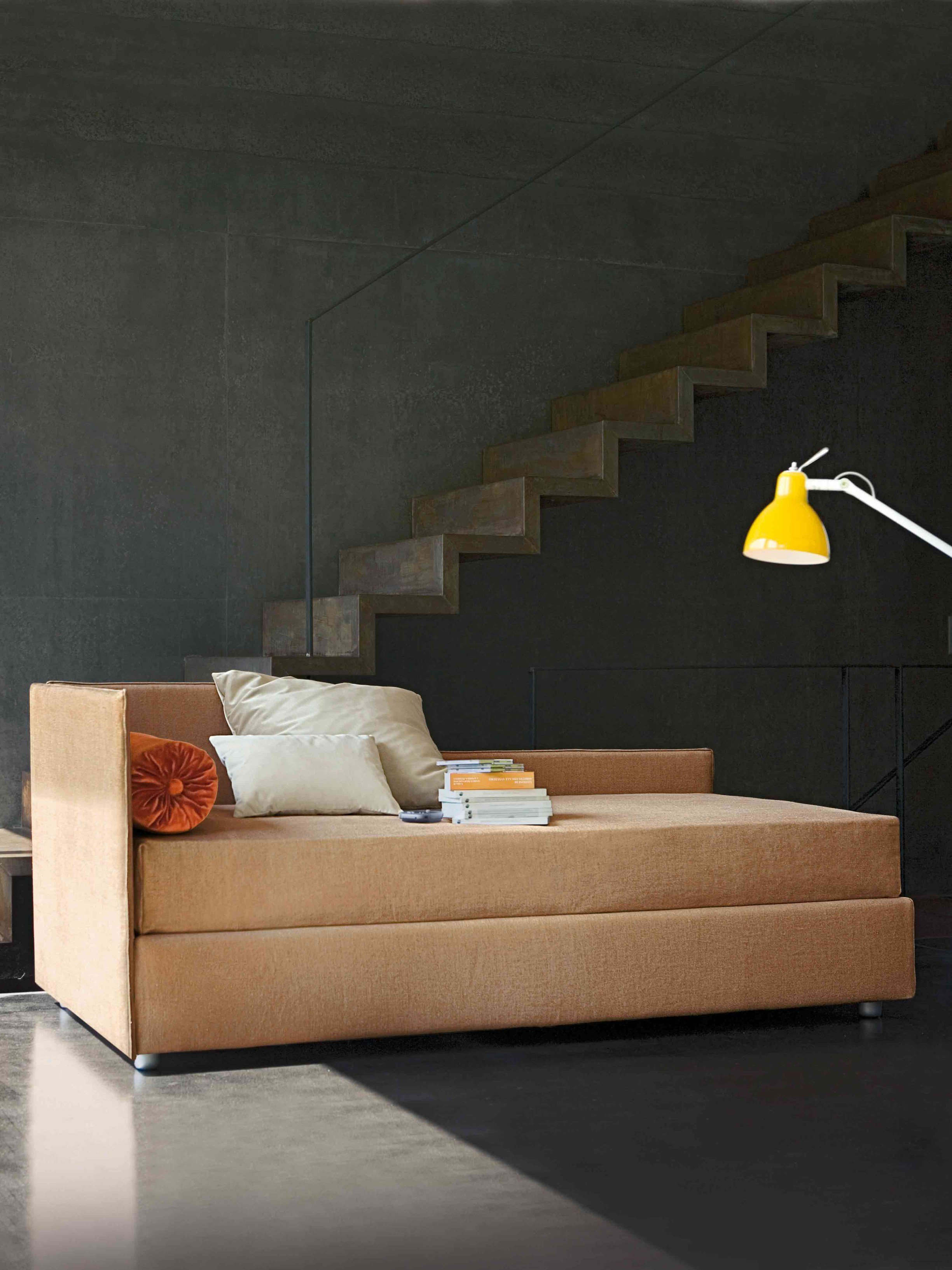 gepolstertes einzelbett mit bettkasten centouno by bonaldo. Black Bedroom Furniture Sets. Home Design Ideas