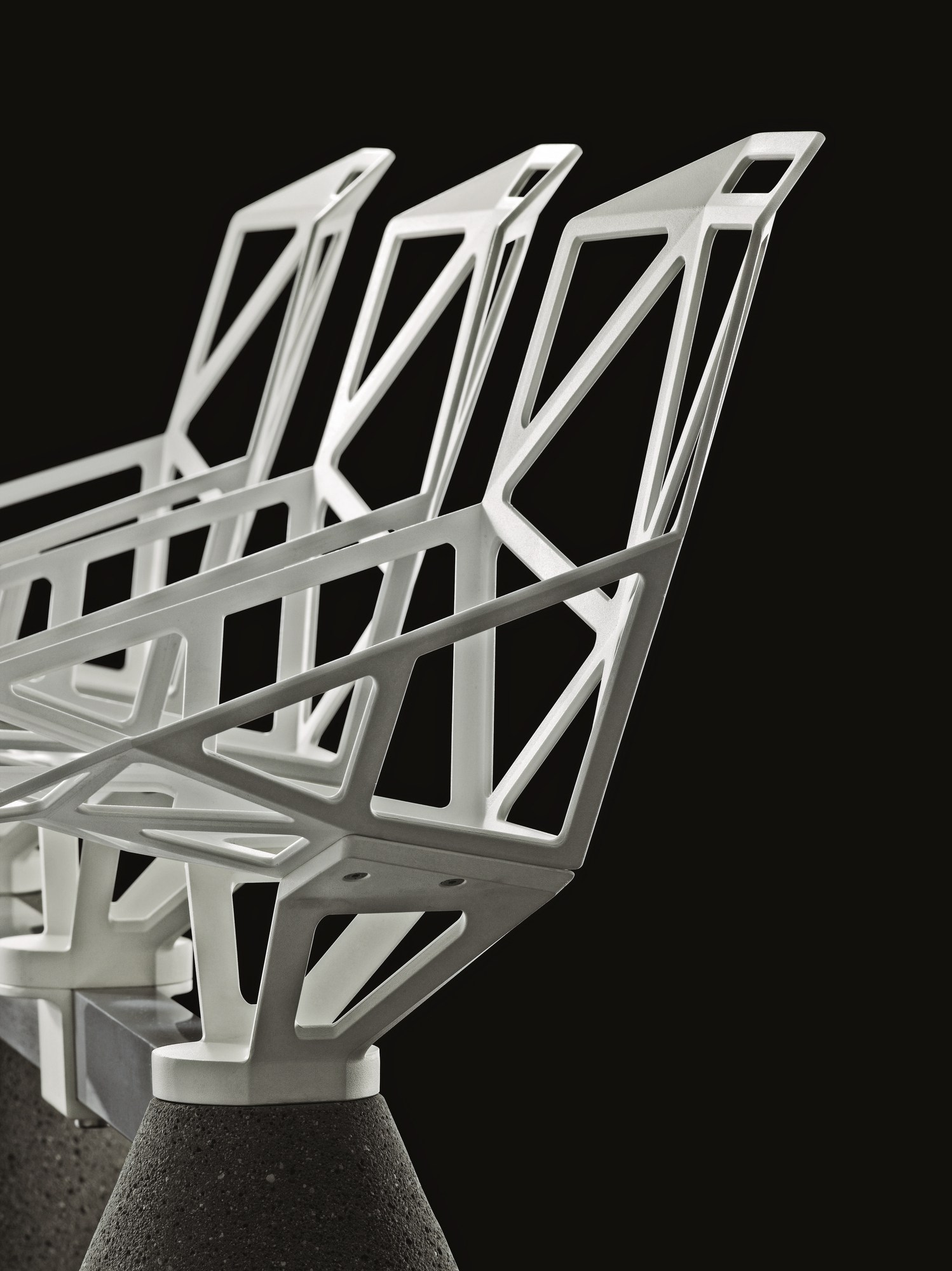 Freestanding aluminium beam seating chair one public for Magis design