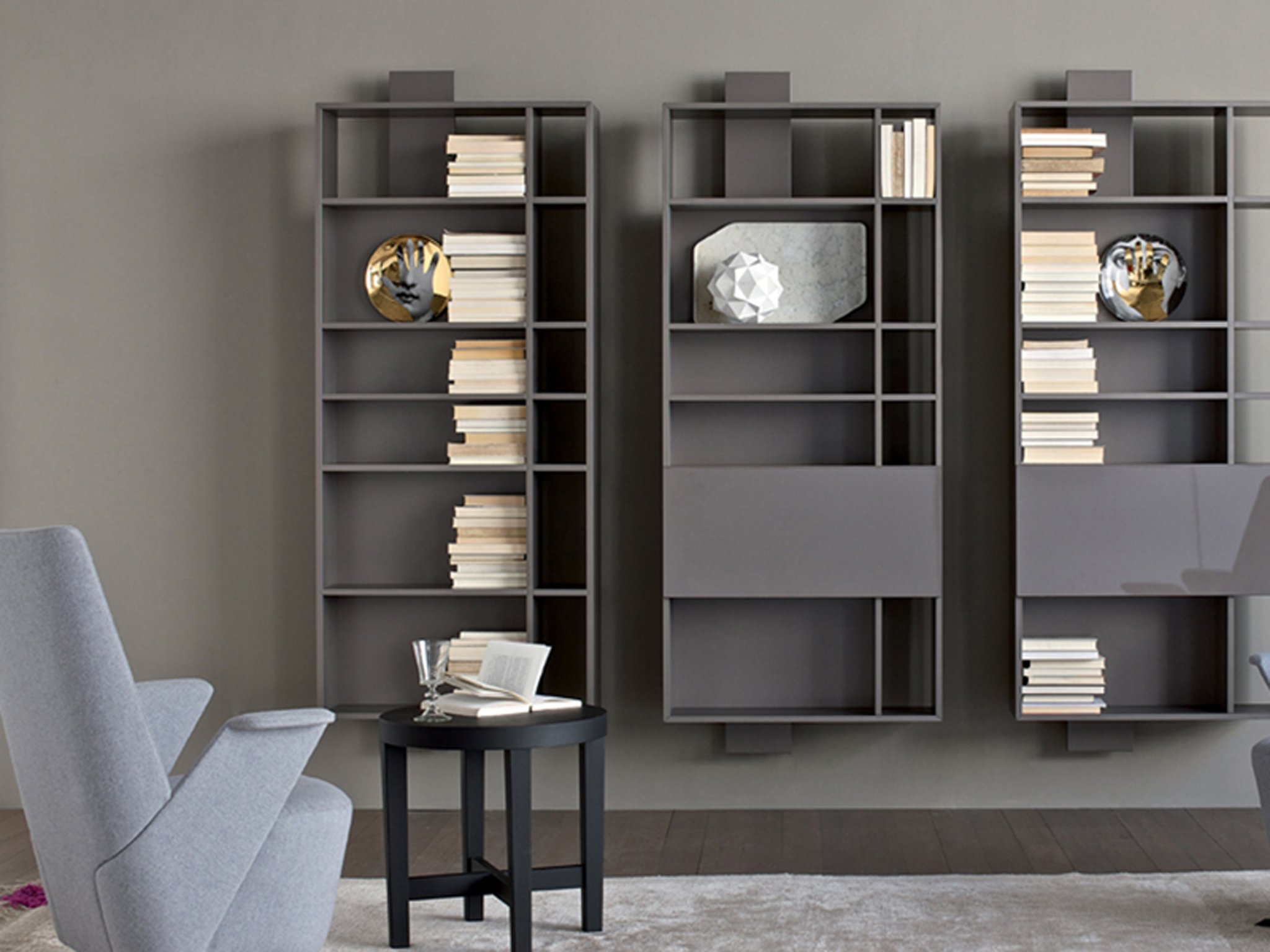 wall mounted lacquered floating bookcase contatto by estel group. Black Bedroom Furniture Sets. Home Design Ideas