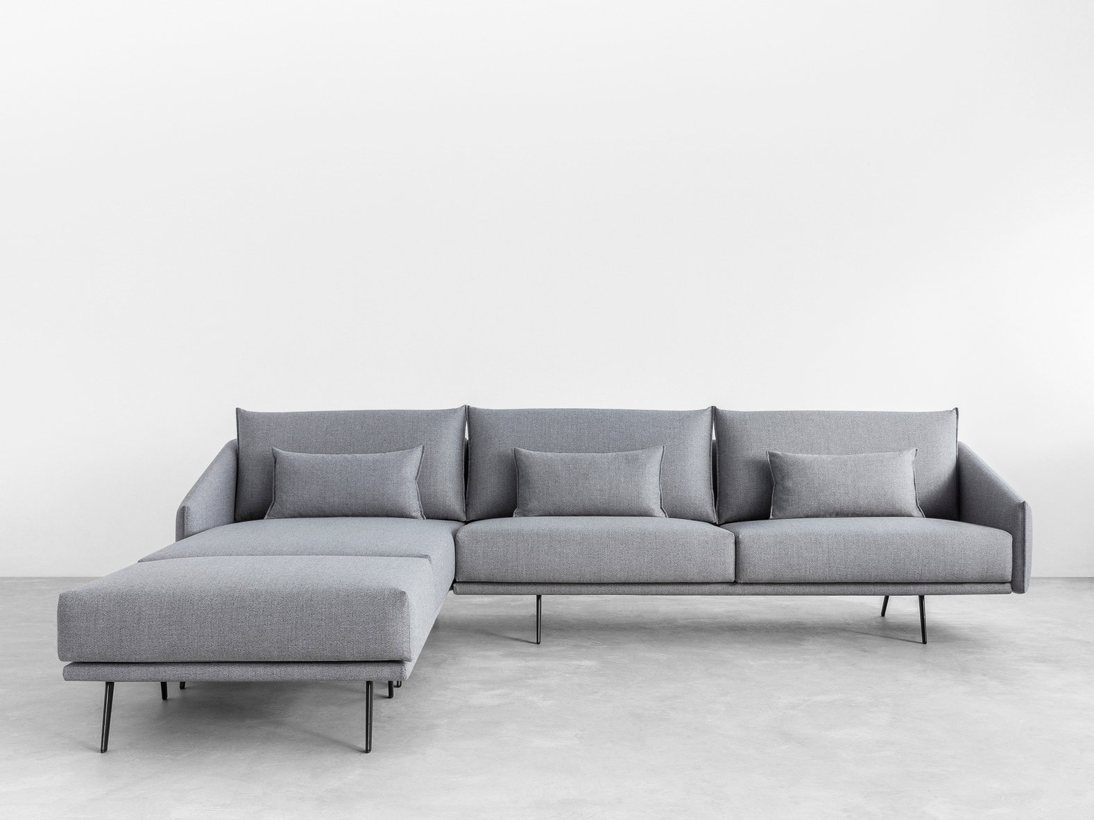 Costura sofa with chaise longue costura collection by stua for Chaise longue designer
