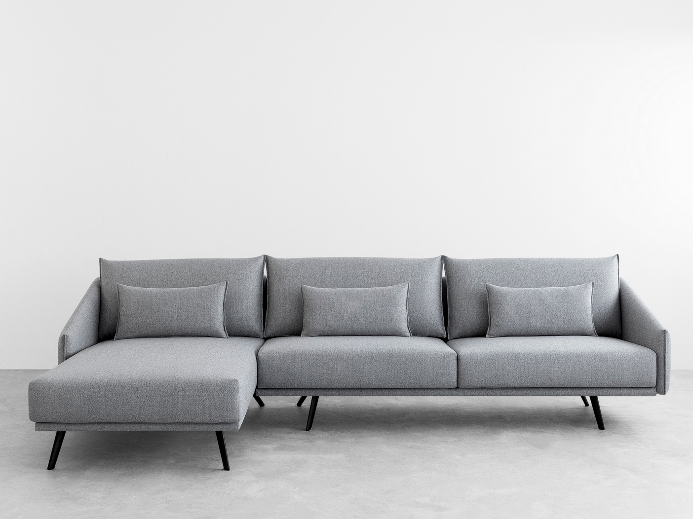 Costura sofa with chaise longue costura collection by stua for Sofa chaise longue
