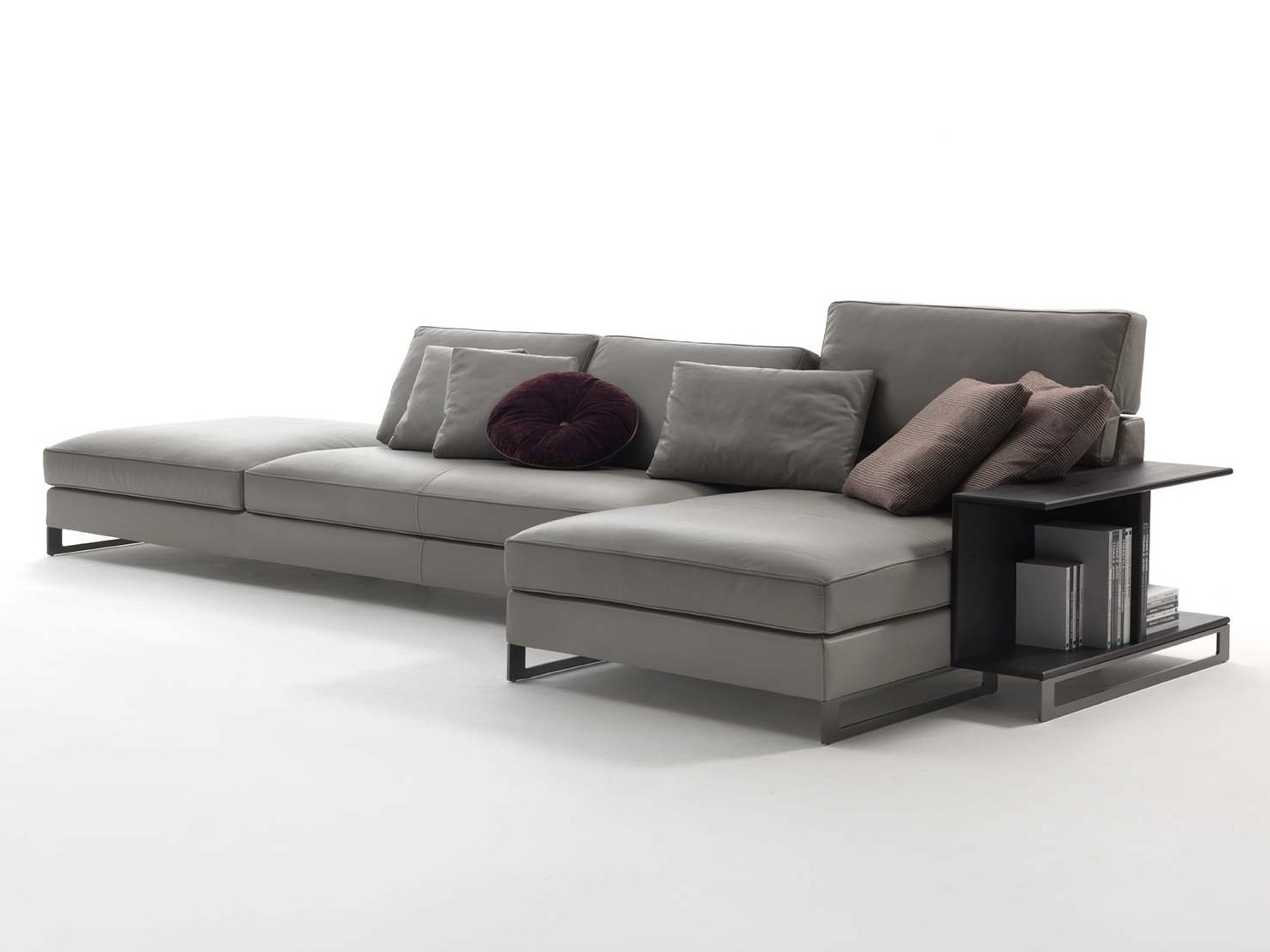 Davis book leather sofa by frigerio poltrone e divani for Sofa poltrone e divani