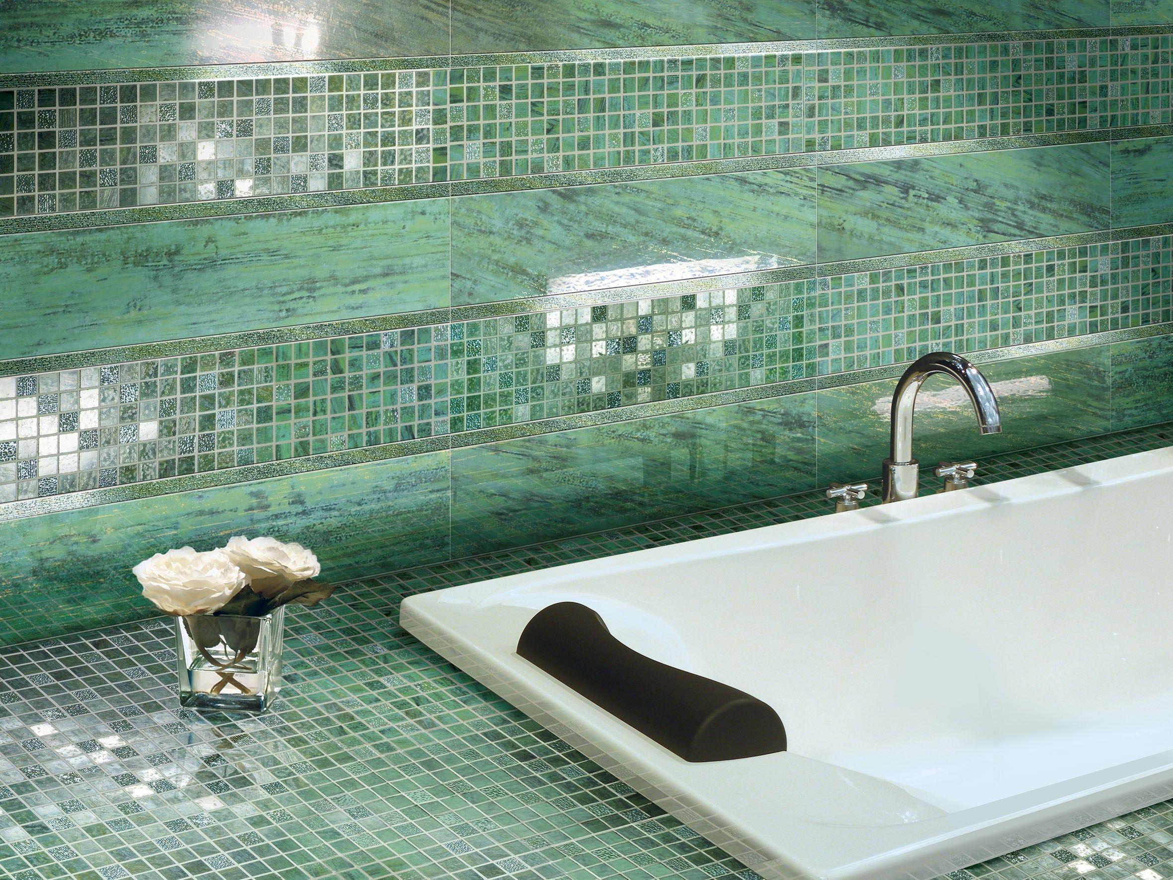 Verde audace mosaico collezione folli follie by ceramiche - Bagno mosaico verde ...