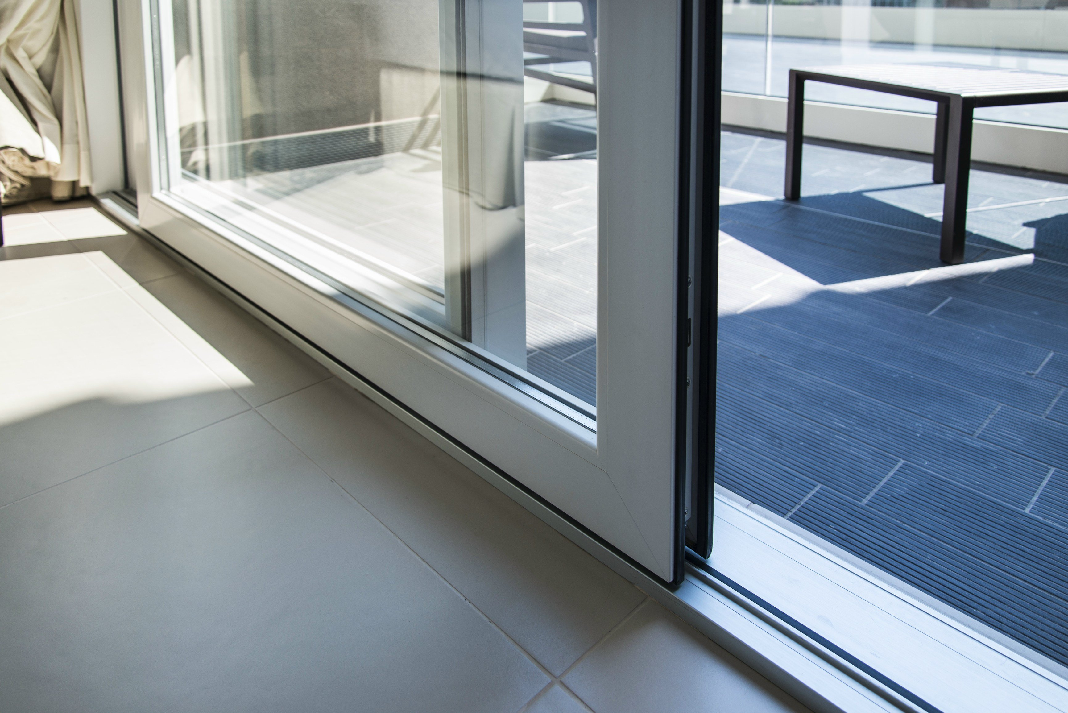 Hs 76 Lift And Slide Window By Deceuninck Italia