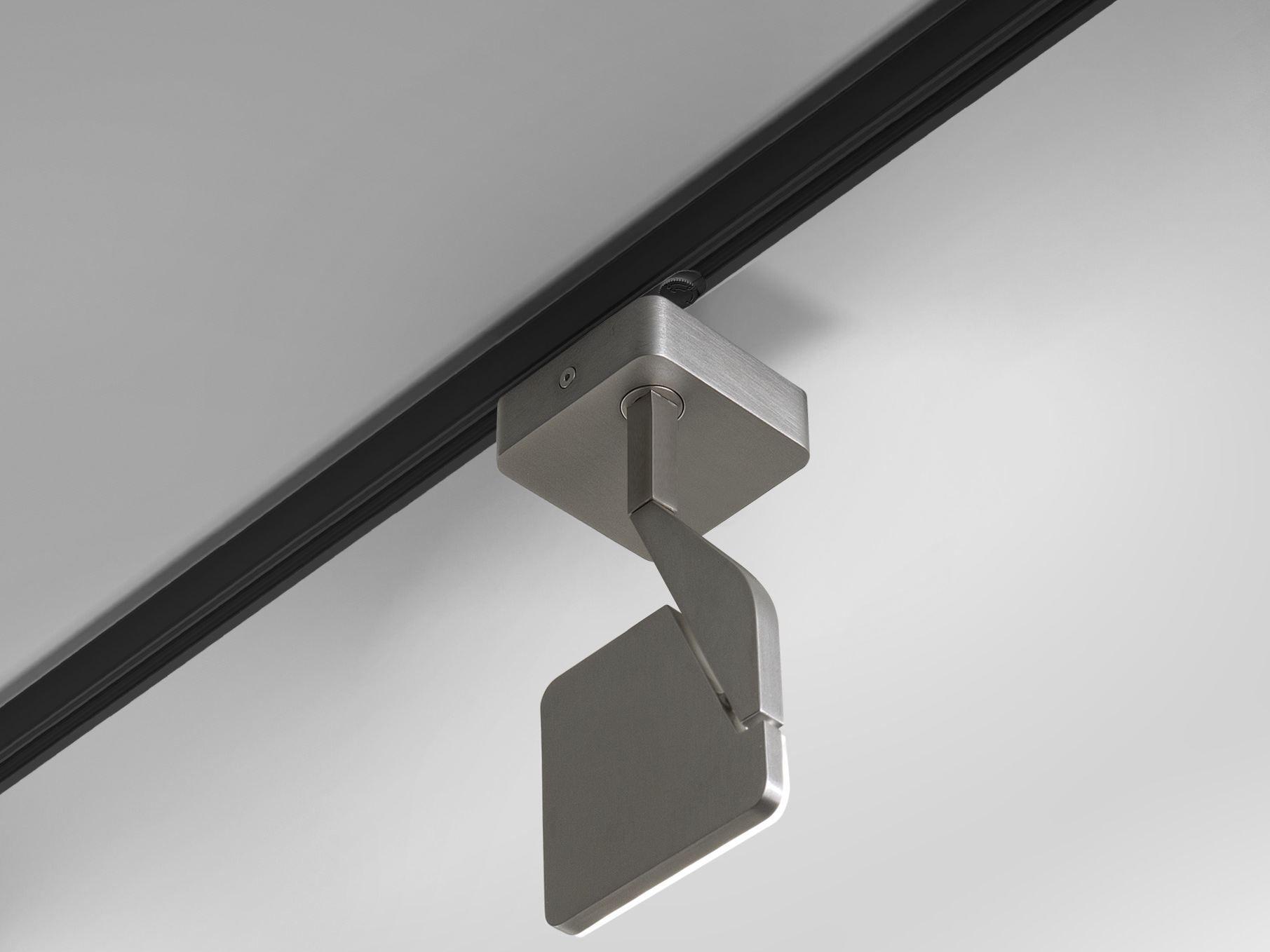 Faretti Quadrati Controsoffitto: Faretti quadrati per controsoffitto a soffitto.