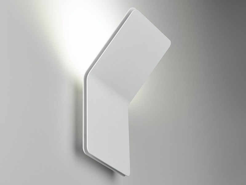 Led wall light layer by puraluce for Appliques exterieures led