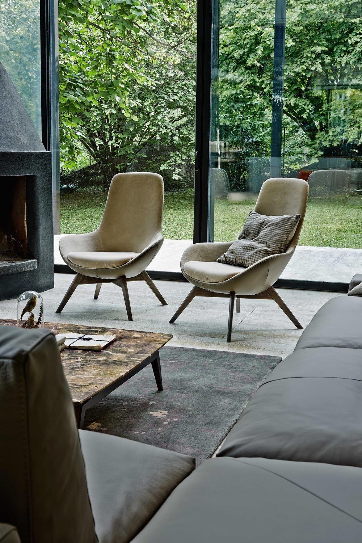 linear petit fauteuil en cuir by ditre italia. Black Bedroom Furniture Sets. Home Design Ideas