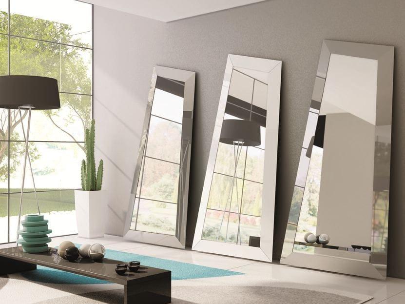 Specchio da terra con cornice look specchio da terra for Modelos de espejos para sala