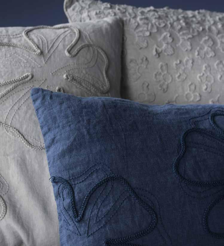 QUADRIFOGLIO | Square cushion Decor Collection By LA FABBRICA DEL LINO