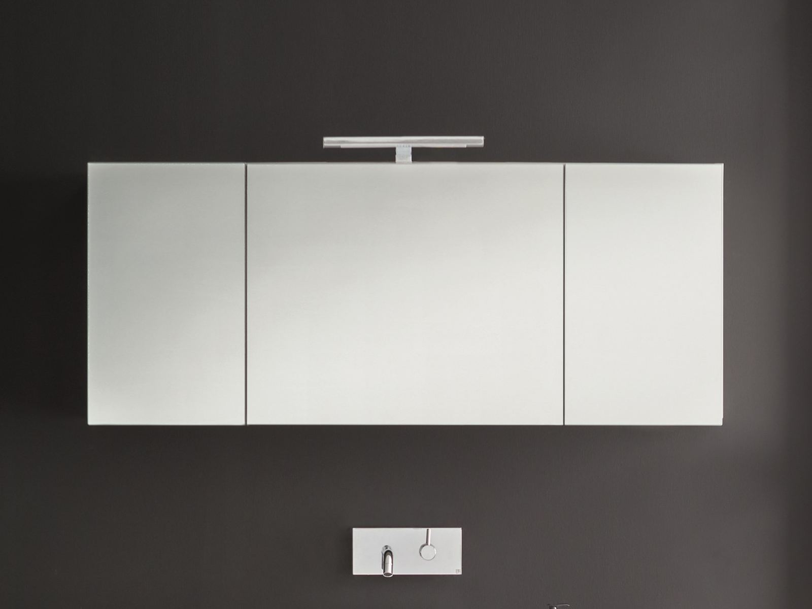 specchio a parete con contenitore per bagno mivedo by birex design imago design