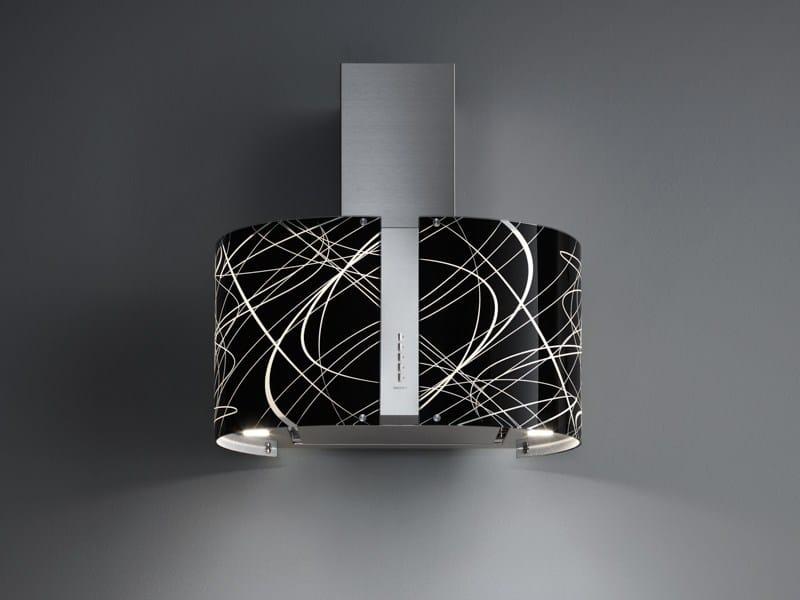 Cappa in acciaio e vetro con illuminazione integrata for Cappa virgola falmec