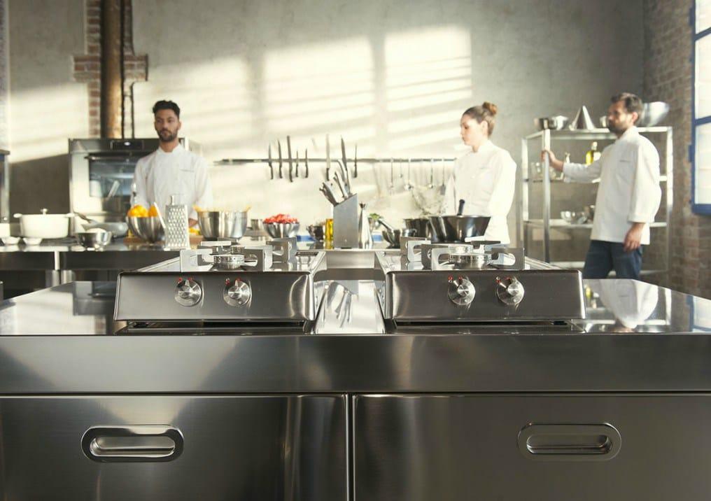 Piani cottura ribaltabili a 2 fuochi gas piano cottura in acciaio inox by alpes inox design for Cucine alpes inox prezzi