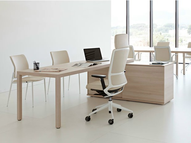 PRISMA  Lshaped office desk By ACTIU