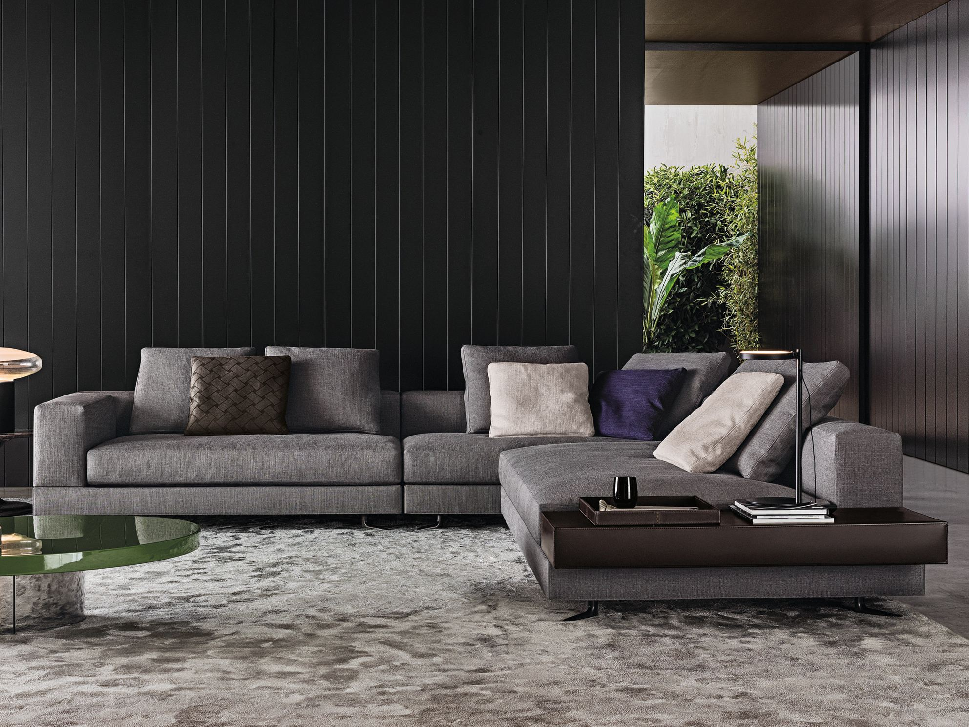 white fabric sofa by minotti. Black Bedroom Furniture Sets. Home Design Ideas