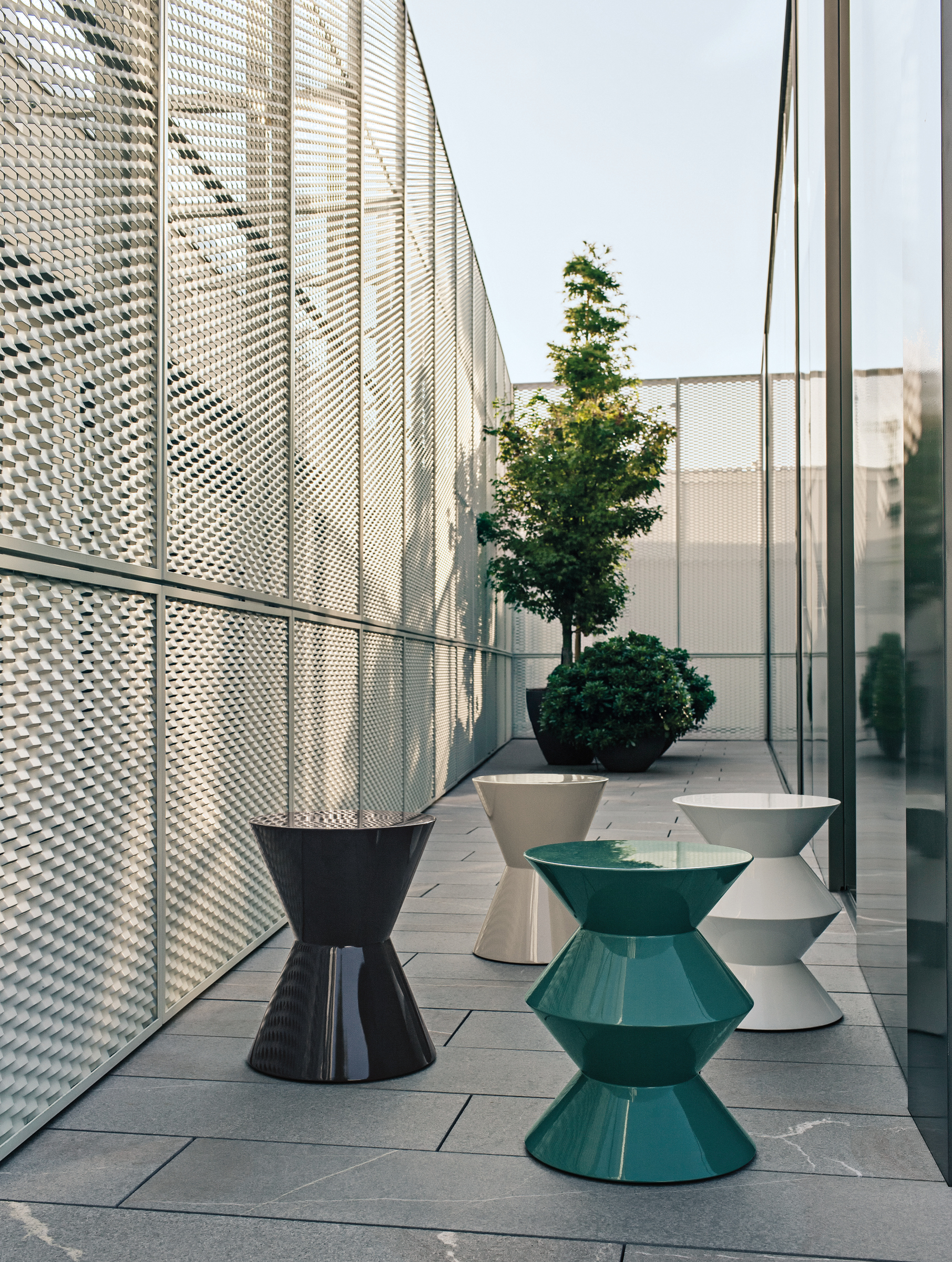 outdoor stool coffee table cesar outdoor by minotti. Black Bedroom Furniture Sets. Home Design Ideas