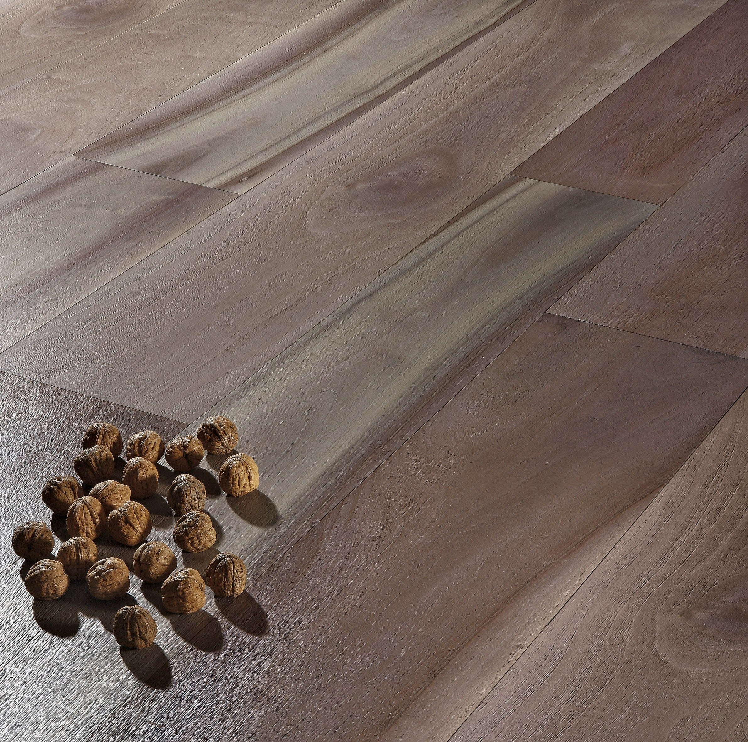 pregio planks parquet en noyer by cadorin group. Black Bedroom Furniture Sets. Home Design Ideas