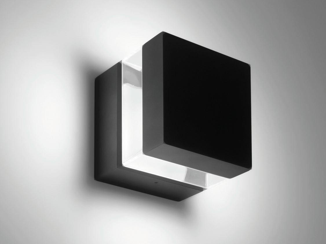 TETRAGONO Lampada da parete by Artemide design Ernesto Gismondi