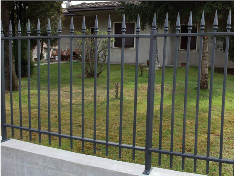 Recinzione a sbarre modulare in ferro punta lancia by cmc for Immagini recinzioni