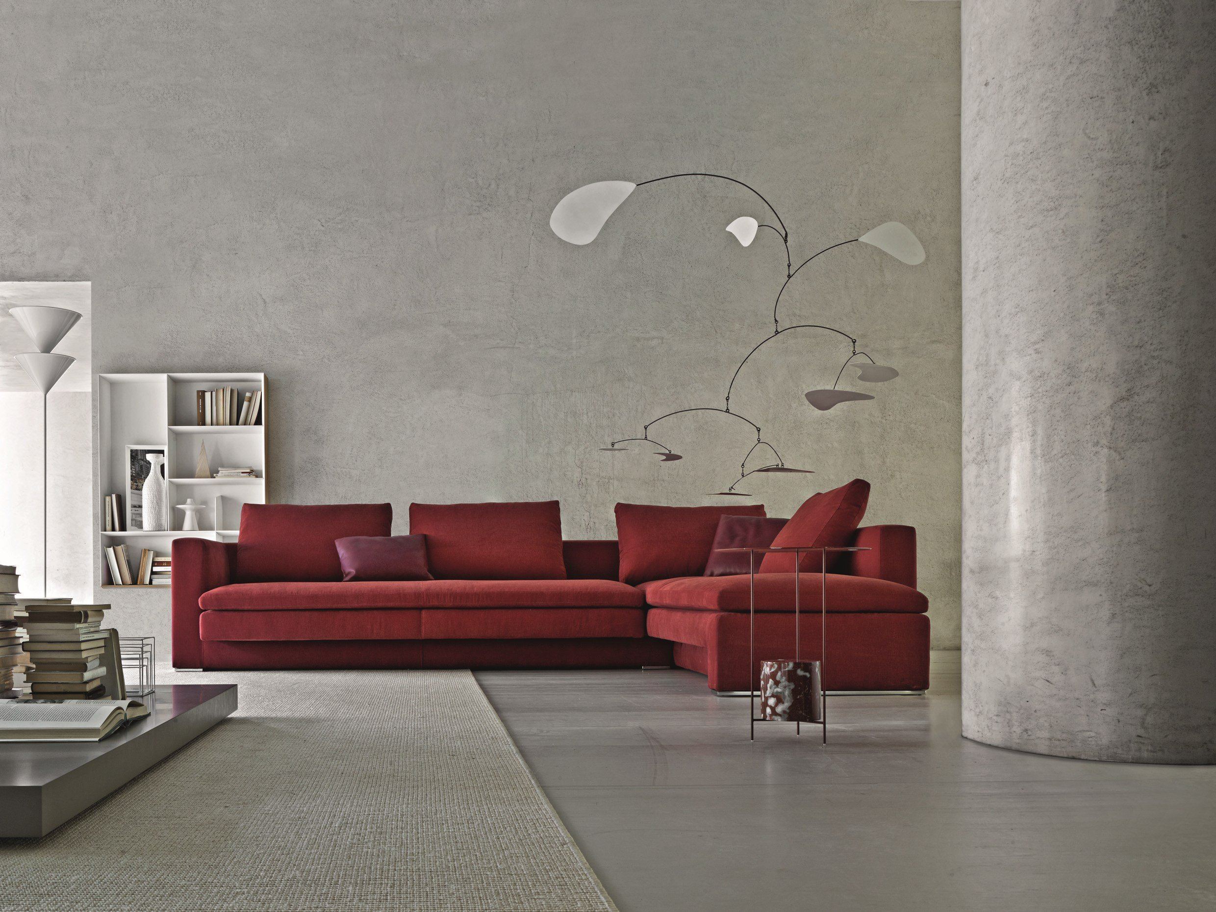 Sectional sofa hi bridge by molteni c design ferruccio - Deco salon gris et rouge ...