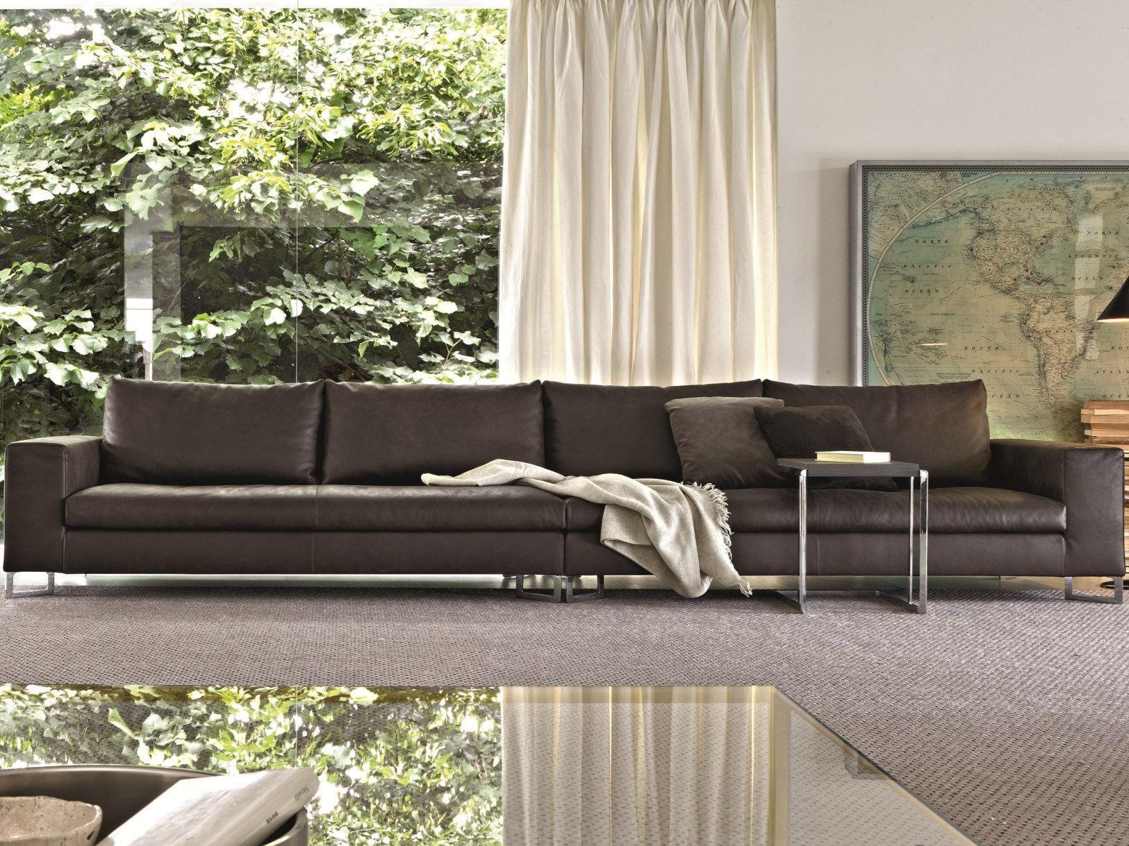 LARGE Divano in pelle by MOLTENI & C. design Ferruccio Laviani