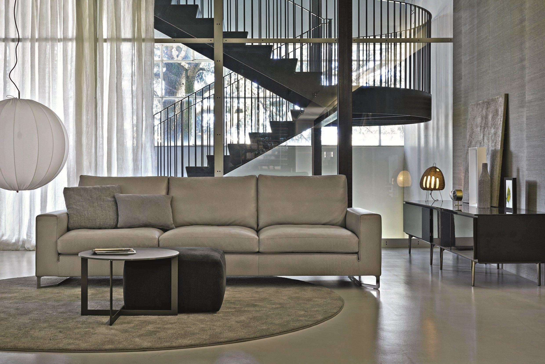 divano imbottito in tessuto collezione portfolio by molteni c design ferruccio laviani. Black Bedroom Furniture Sets. Home Design Ideas