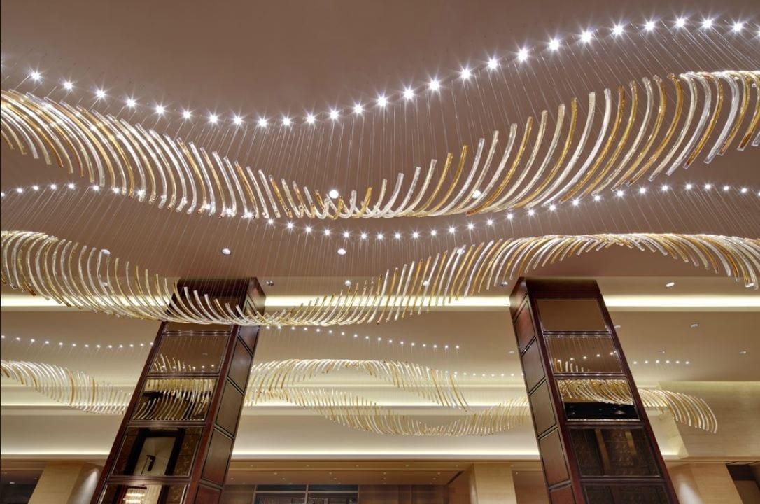 lustre led en verre souffl leaf collection by lasvit. Black Bedroom Furniture Sets. Home Design Ideas