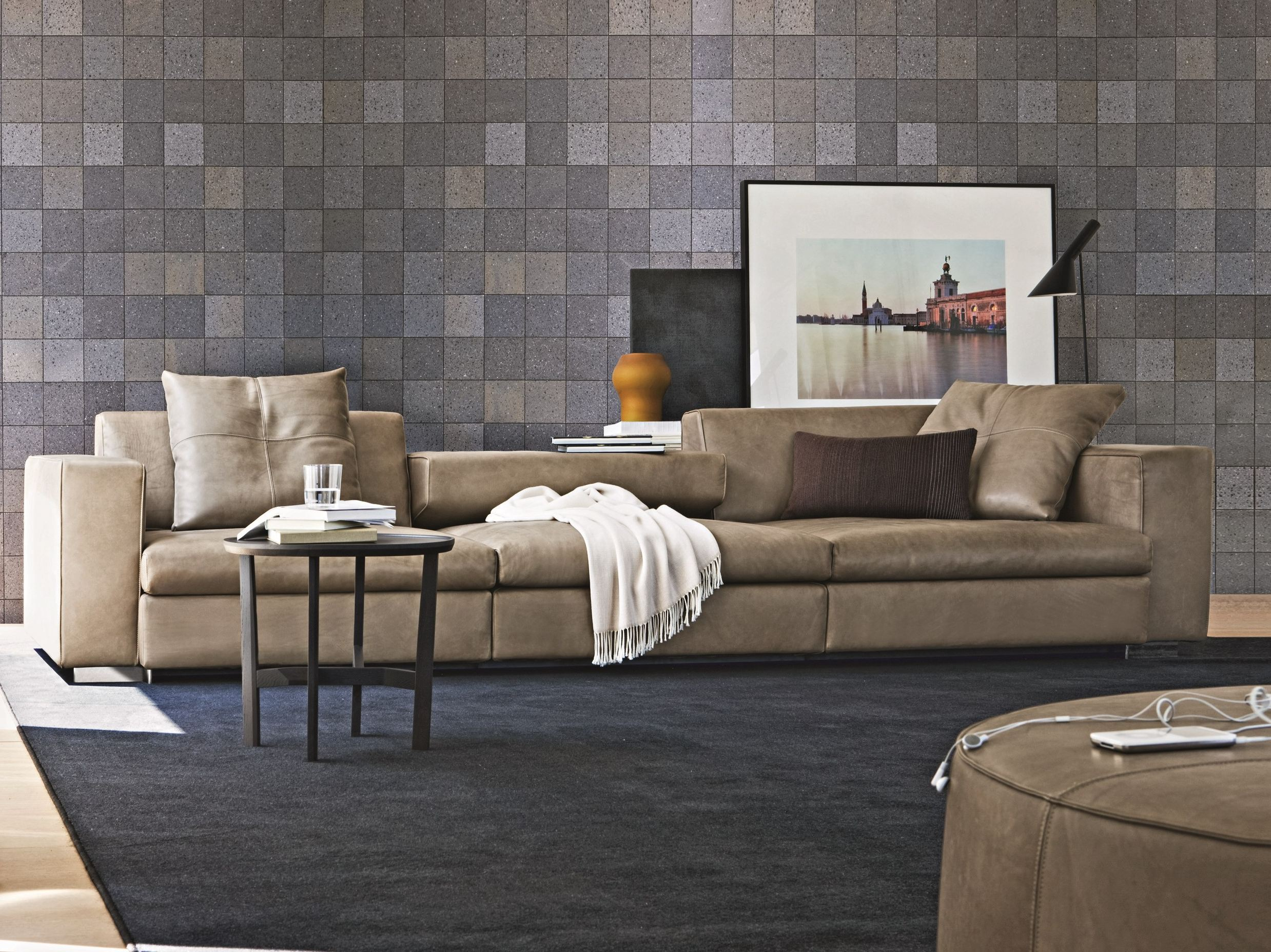 TURNER Leather sofa by MOLTENI & C. design Hannes Wettstein