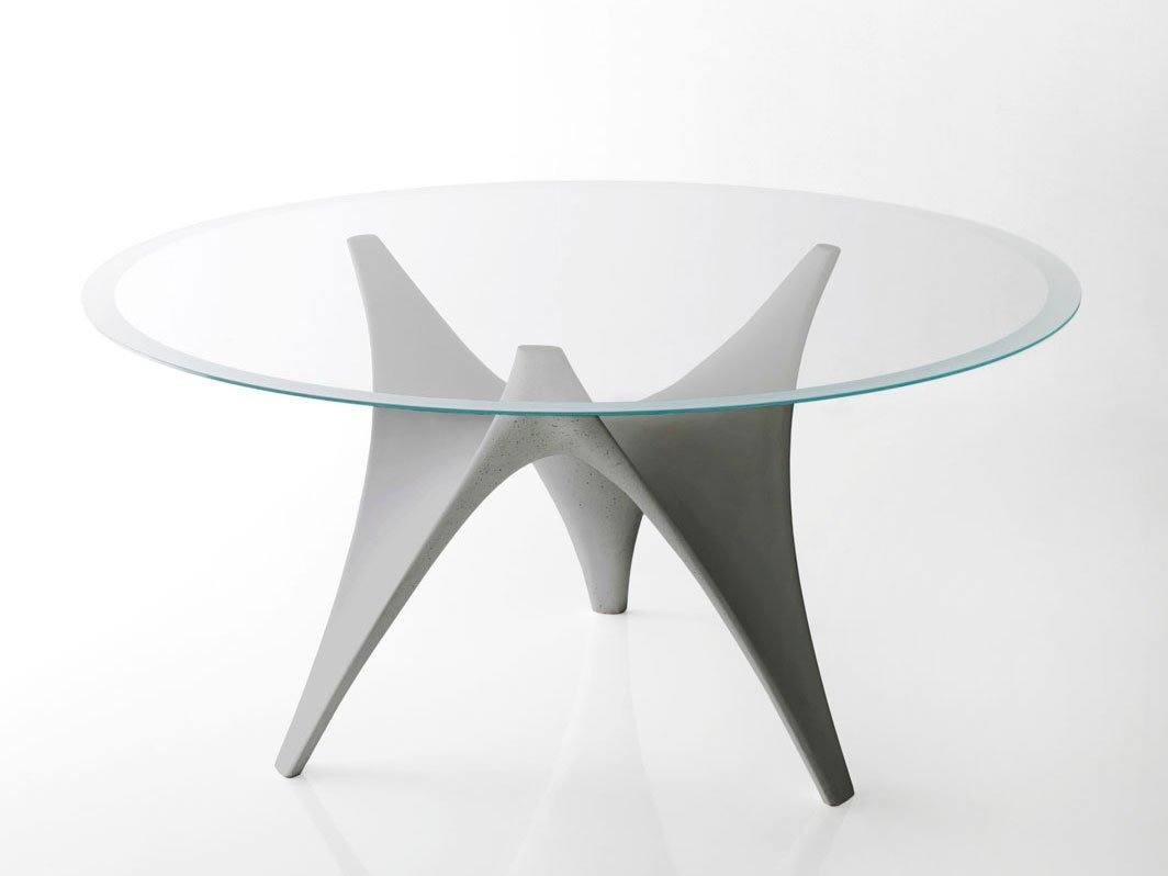Arc round table by molteni c design foster partners for Tavoli in vetro design