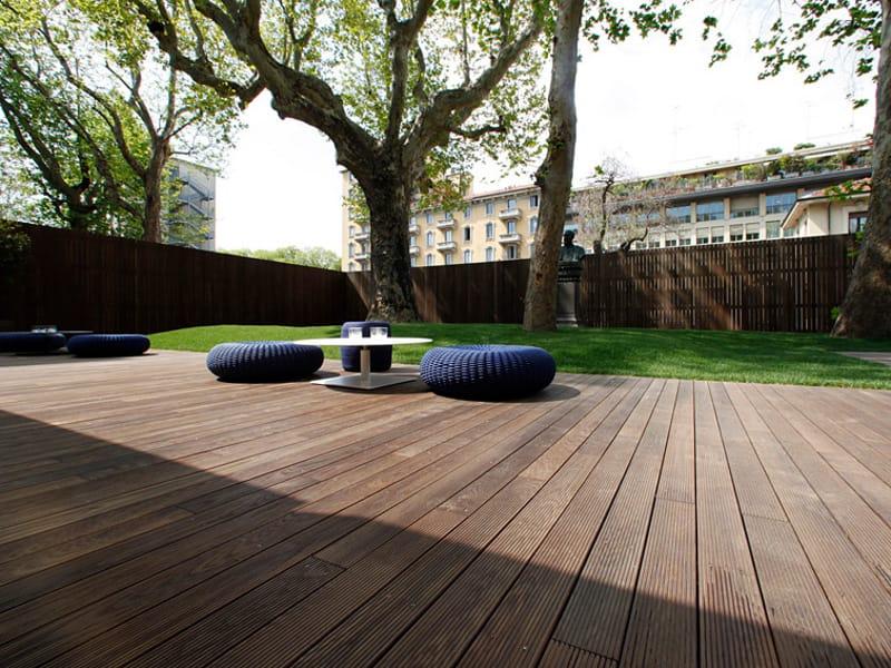 Decking in legno deckout doga by menotti specchia project - Pavimento jardin ...