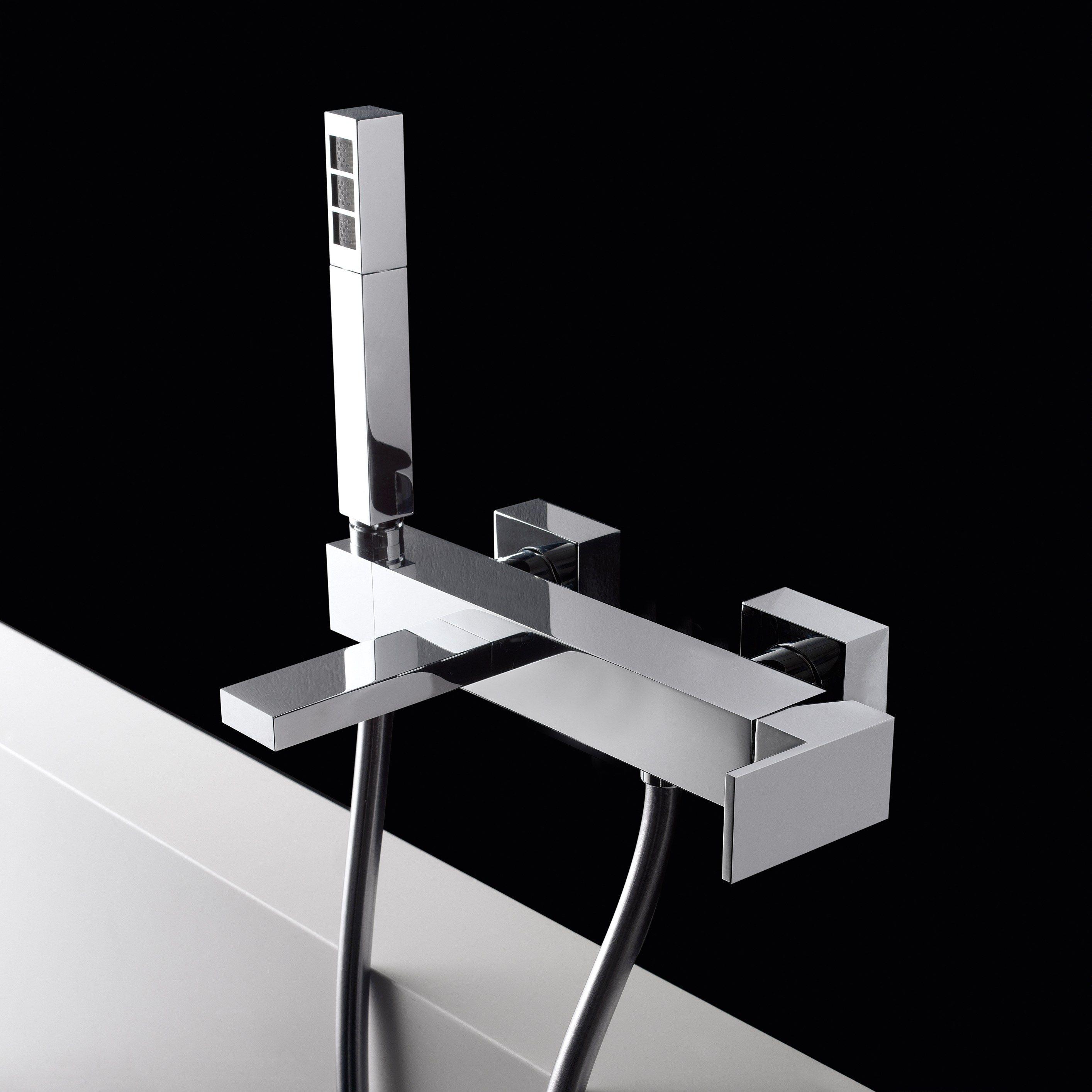 Mitigeur de baignoire mural avec douchette ligne q by for Douchette baignoire