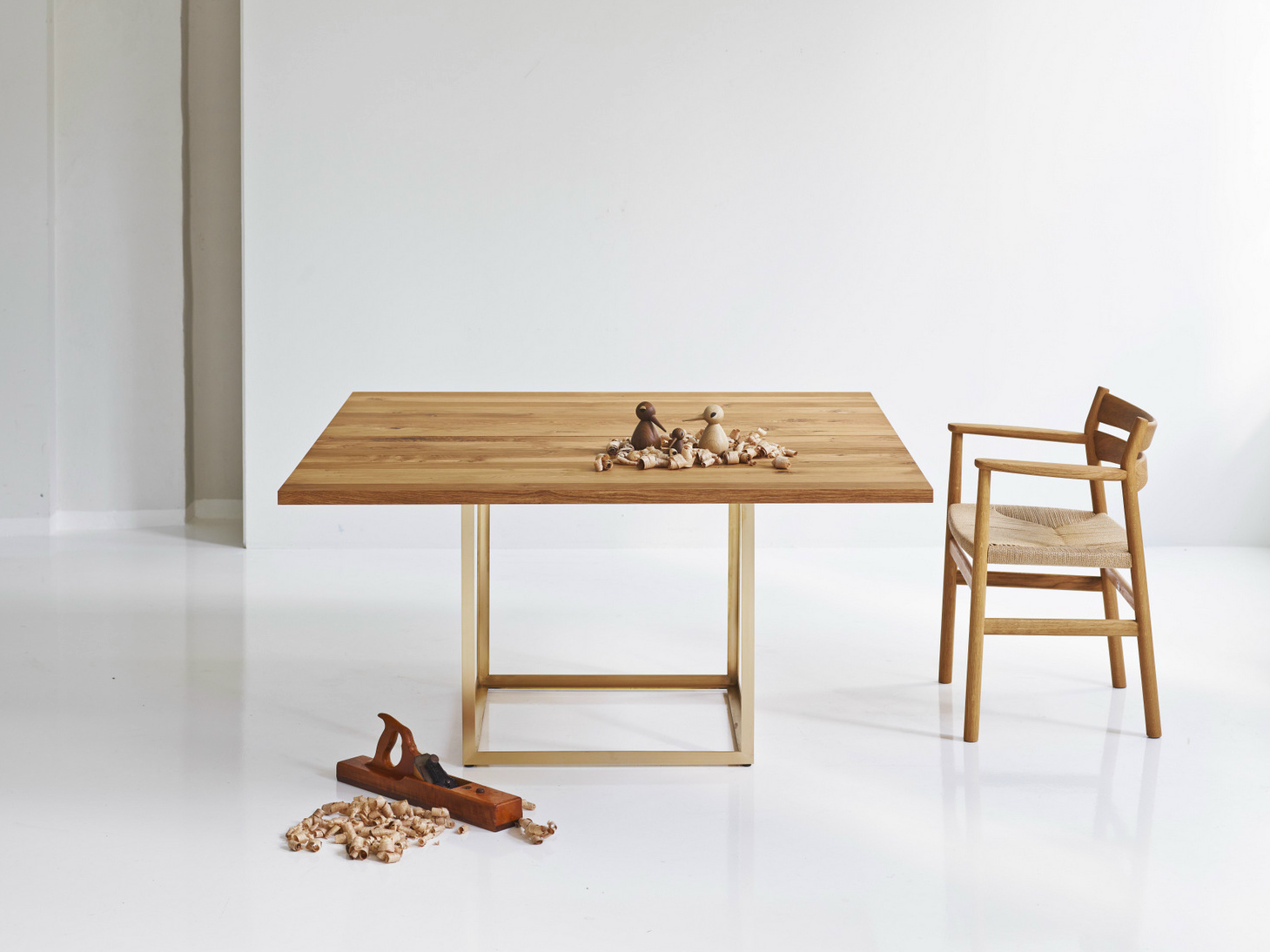 Jewel table tavolo quadrato by dk3 design s ren juul - Tavolo quadrato allungabile design ...