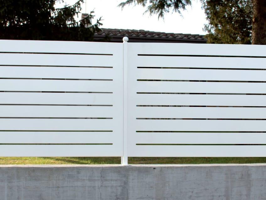 Recinzione modulare in lamiera mare serie recinzioni a - Recinzione giardino privacy ...