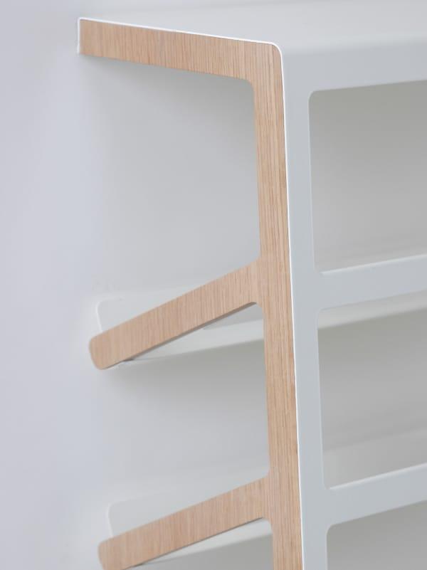 schuhschrank aus stahl und holz mila by mox design yuniic. Black Bedroom Furniture Sets. Home Design Ideas