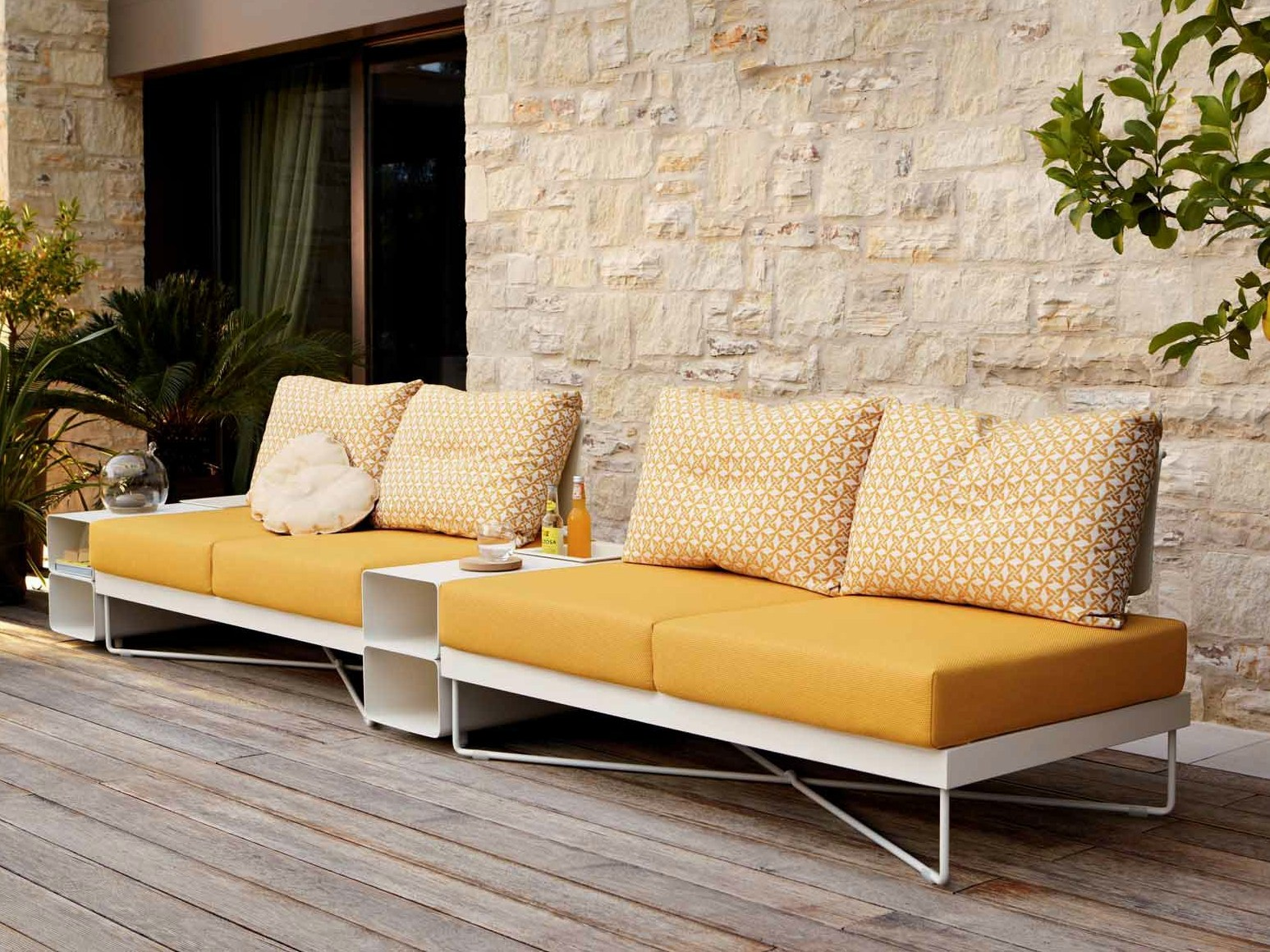 coral reef sectional garden sofa by roberti rattan. Black Bedroom Furniture Sets. Home Design Ideas