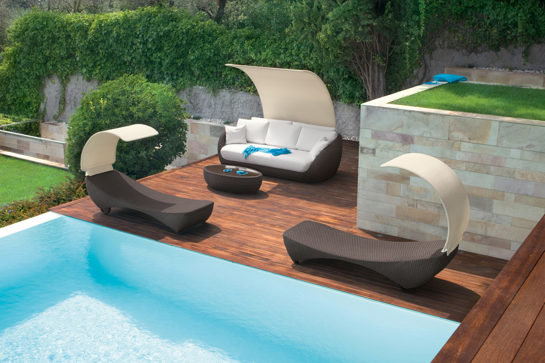 batyline garden umbrella saint tropez parasole by roberti rattan design studio balutto associati. Black Bedroom Furniture Sets. Home Design Ideas