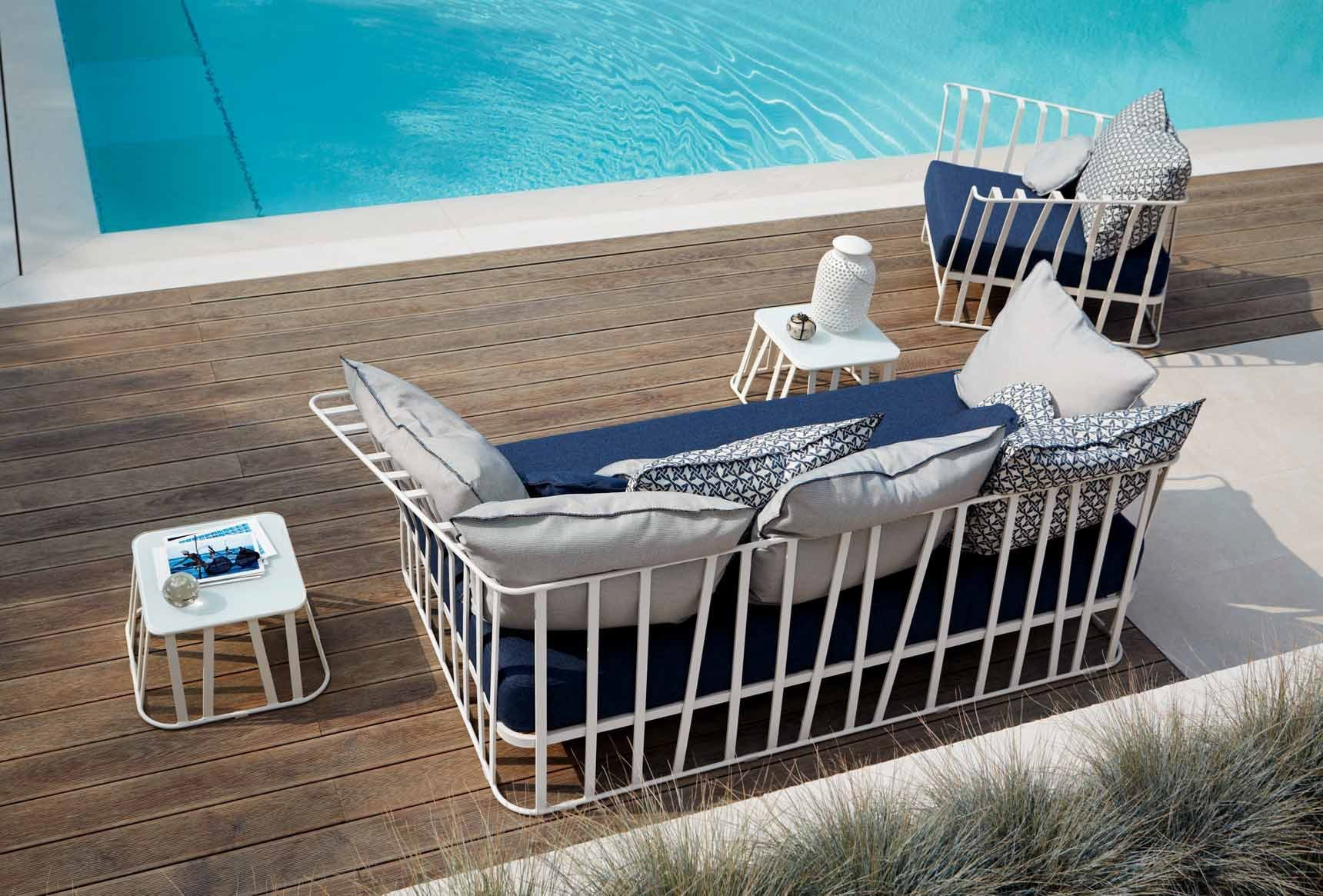 Hamptons Graphics Garden Sofa By Roberti Rattan Design