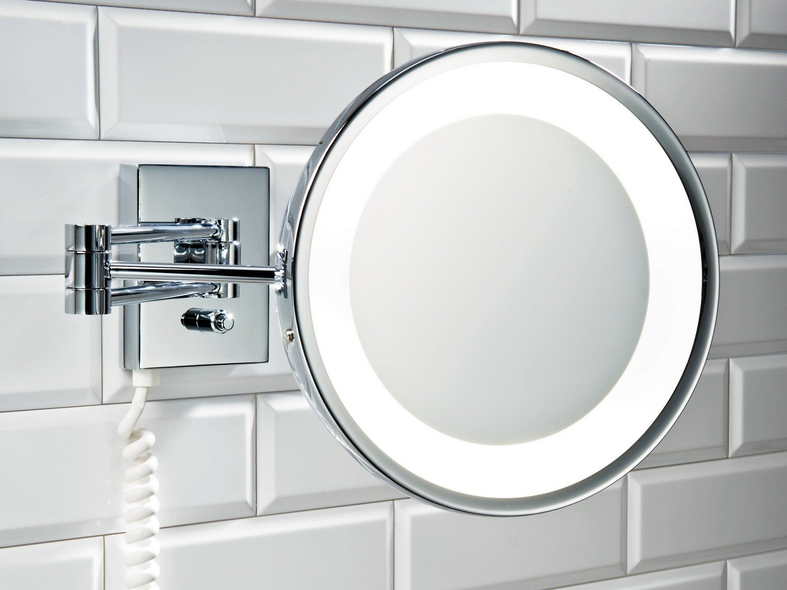 X wall mounted double face magnifying mirror in chrome in for Miroir trois faces salle de bain